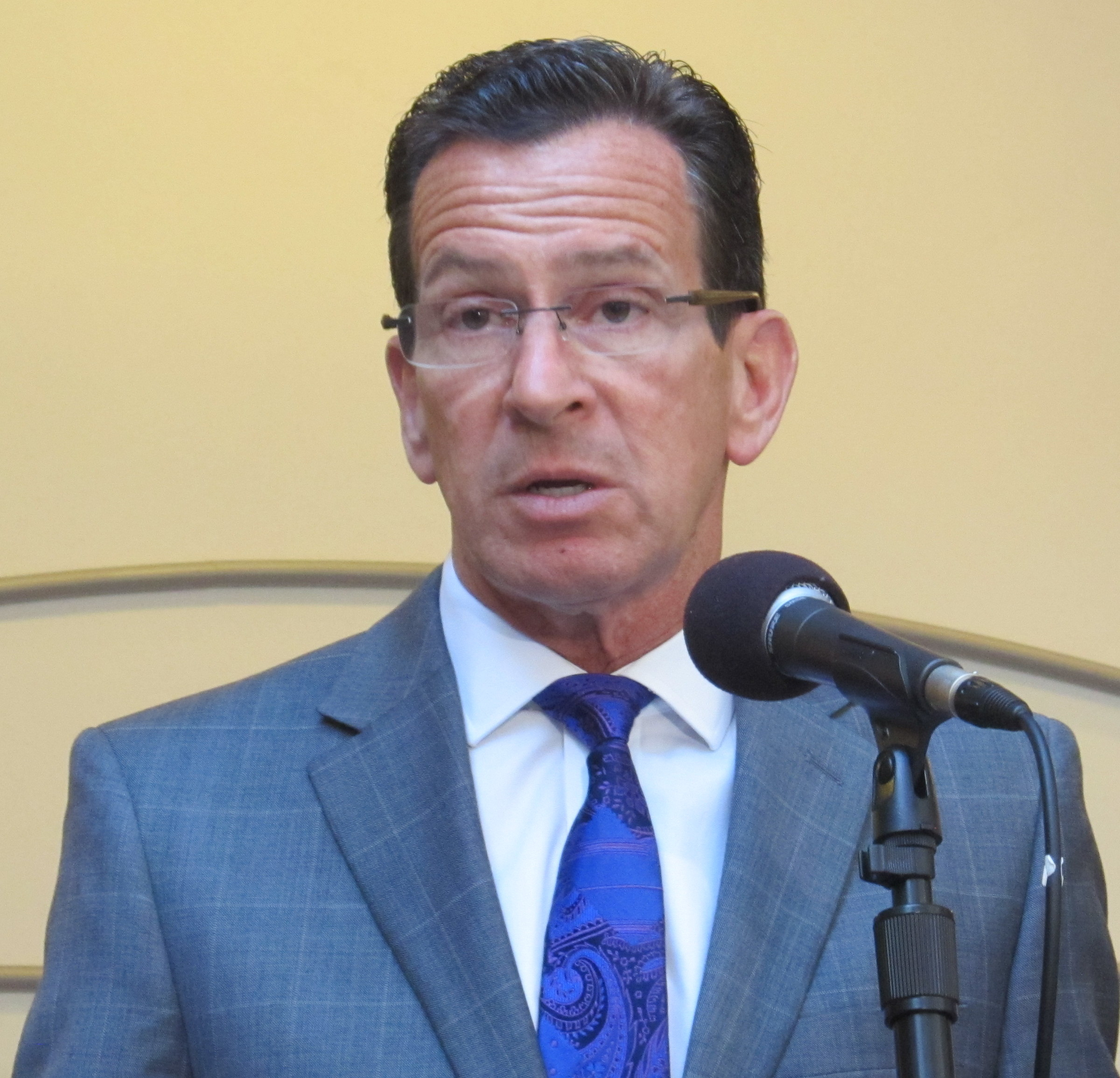 Malloy wants report by month's end on CT teachers' pension system