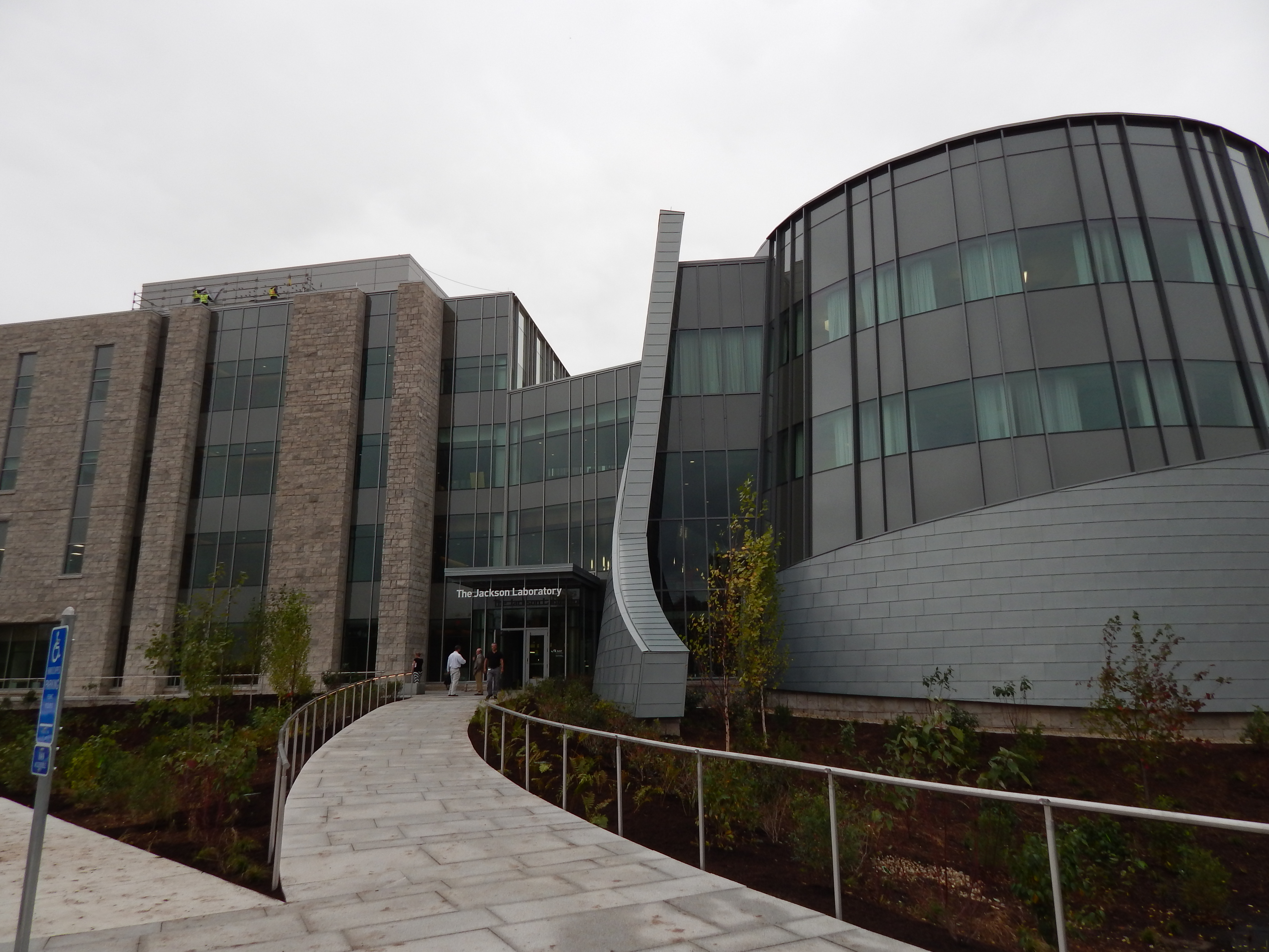 As its first building opens, Jackson Lab has an eye on expansion