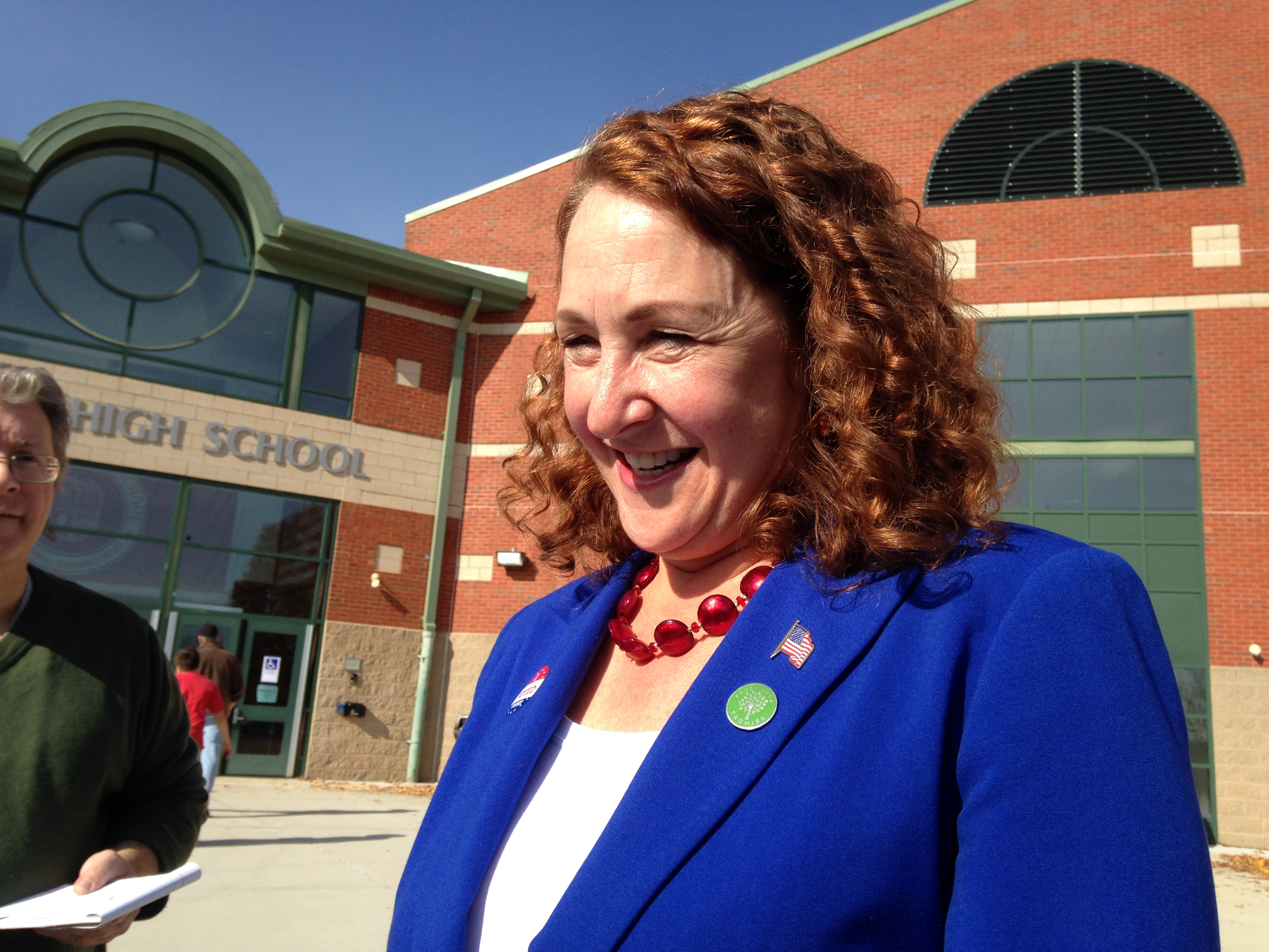 After spending on lawyers and parties for supporters, Esty still leaves Congress with big war chest