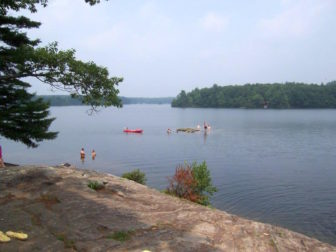 A lake scene at Bigelow Hollow State Park