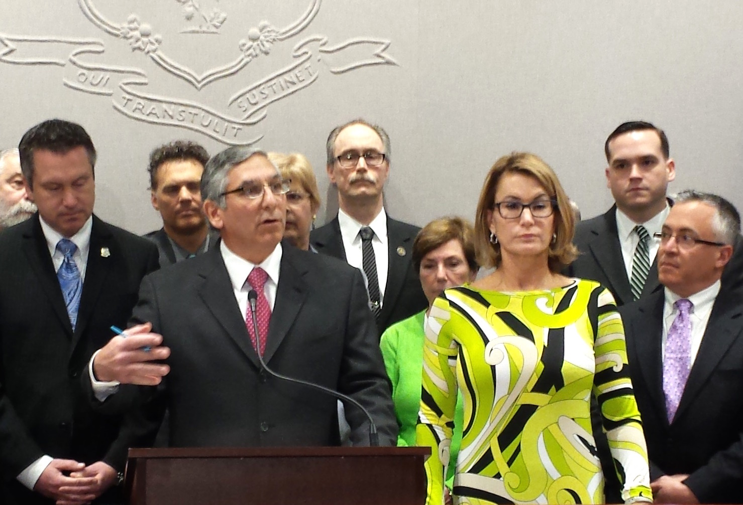 GOP: Seek big labor savings to reduce Malloy's painful cuts