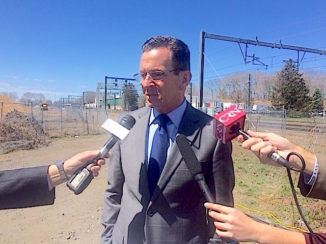 Malloy scorns both parties' legislative budget plans