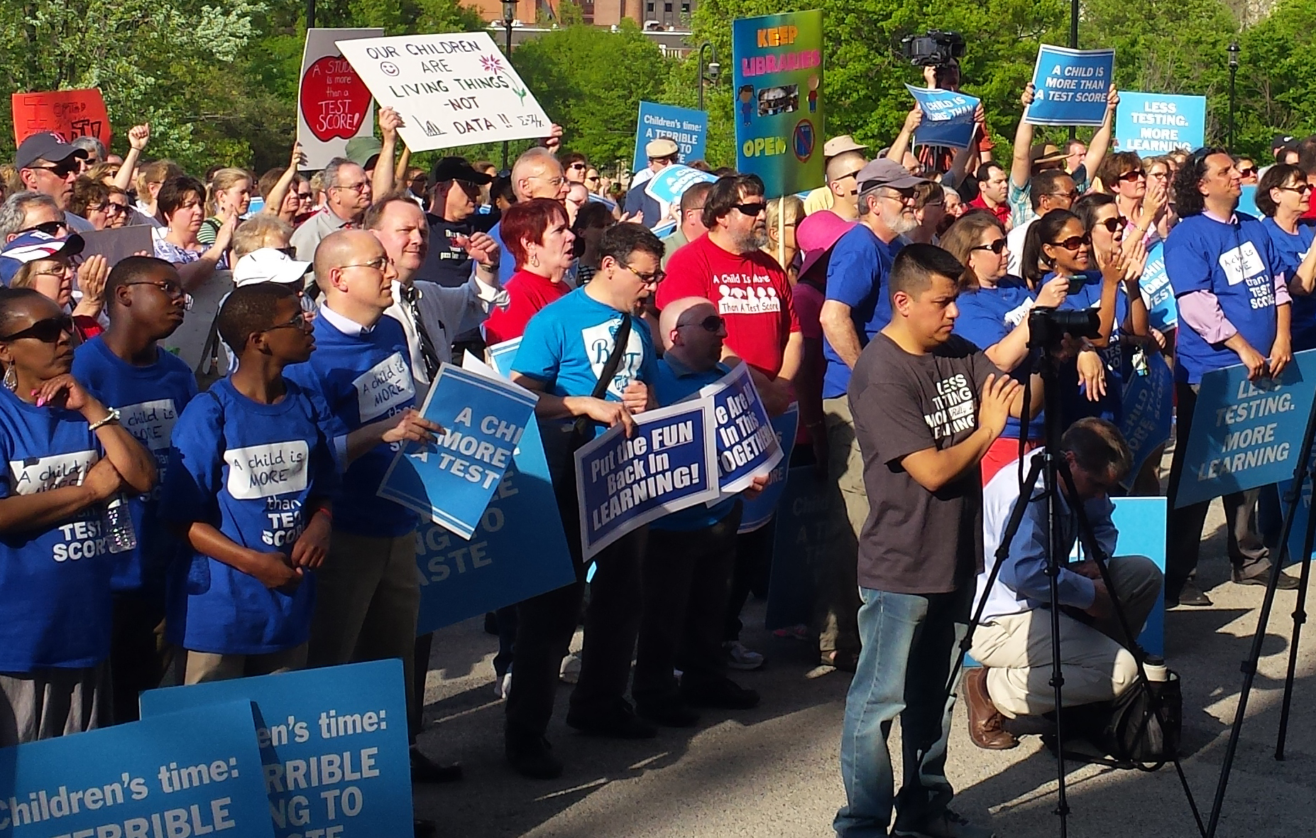 Teachers rally against Smarter Balanced test at Capitol: 'Put the test to rest'