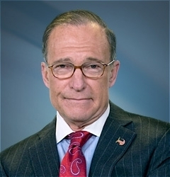 Trump names Kudlow to top White House economic job