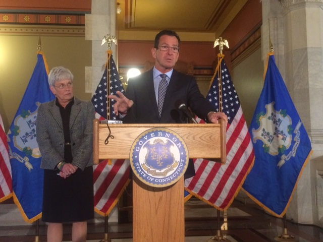 Malloy calls for bipartisan talks as budget hole deepens