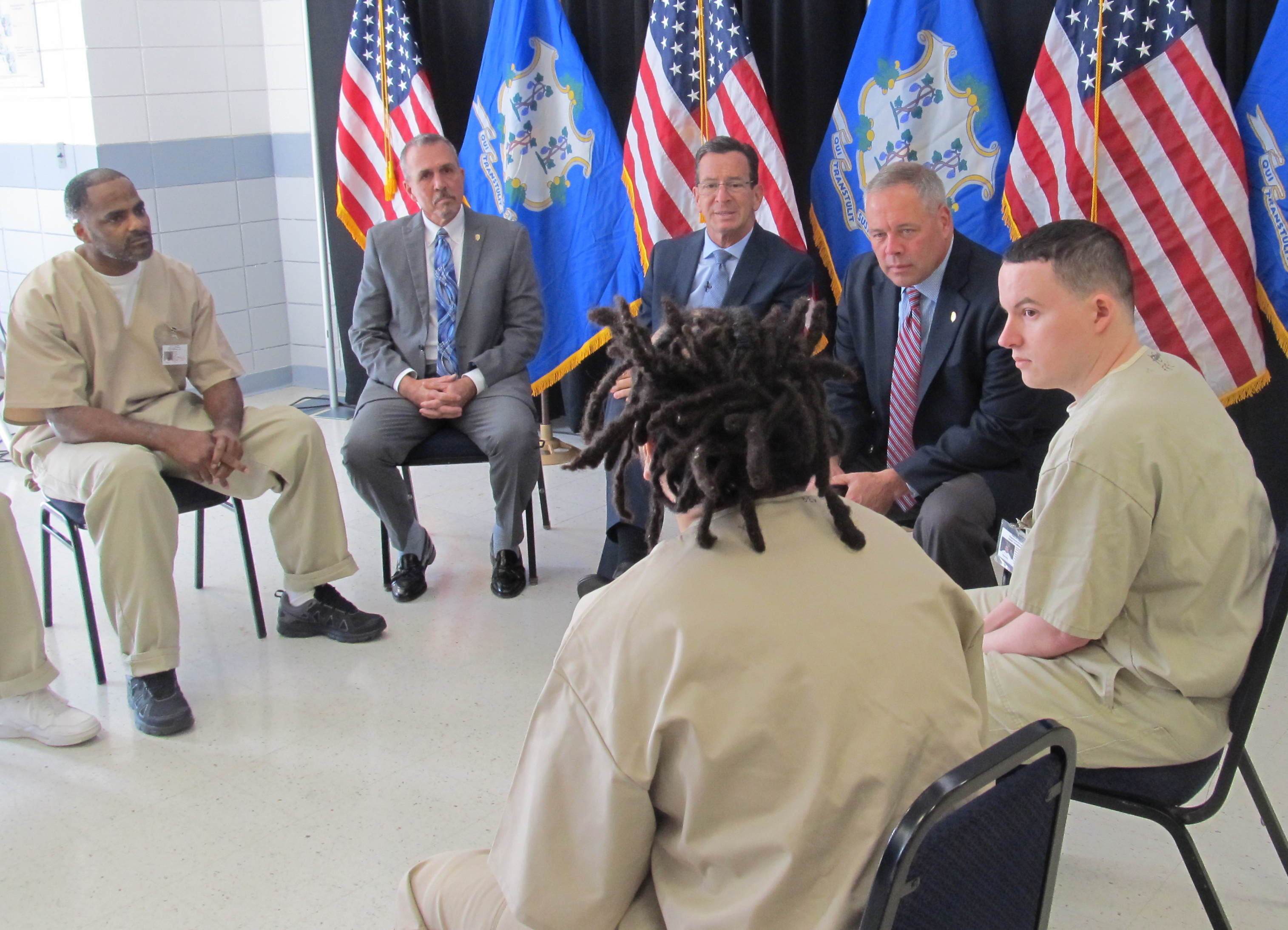 Malloy goes extra mile to thank, challenge these vets