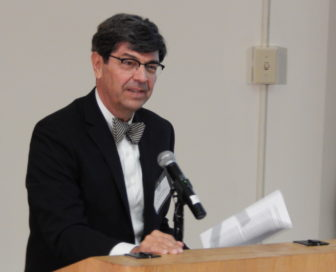 Dr. Victor Villagra