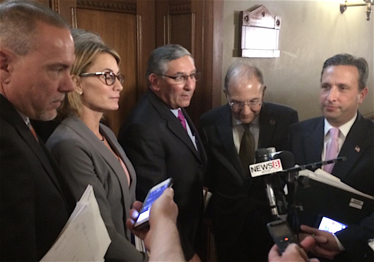 Lawmakers, Malloy insist deficit-mitigation deal still within reach
