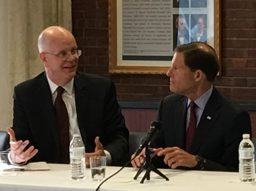 Blumenthal: Bill would speed generic drug approval, reducing costs