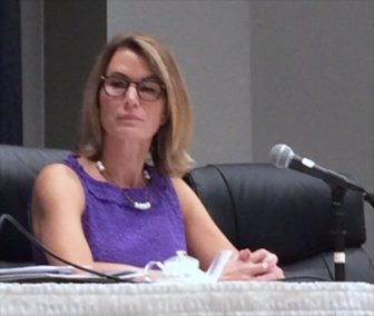 Themis Klarides at the annual meeting of the Council Small Towns.