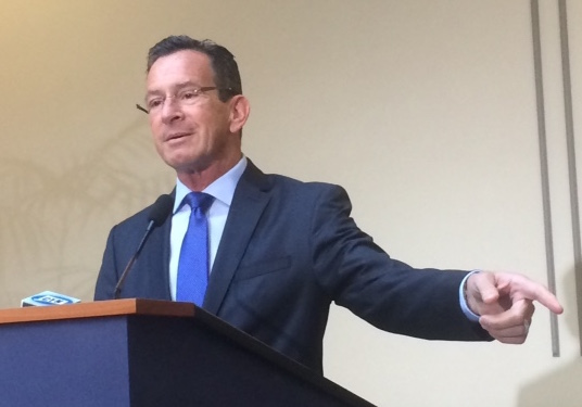 Battle over CT's credit card heats up as Malloy raises limit again