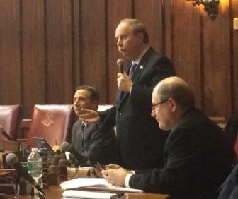 Sen. Michael McLachlan objecting to resolution sponsored by Sen. Bob Duff, left.