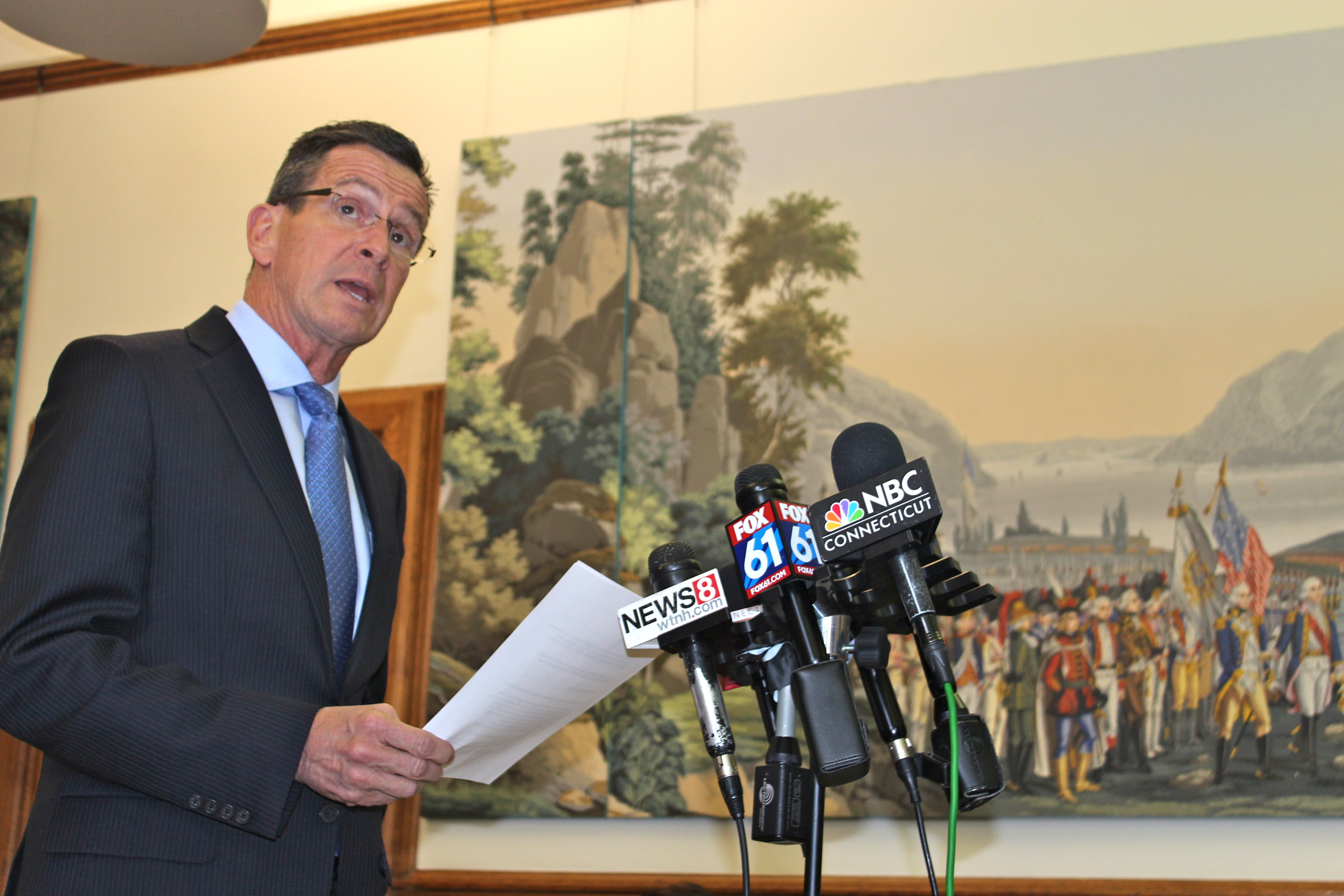 Malloy, House Democrats clash over new budget plan