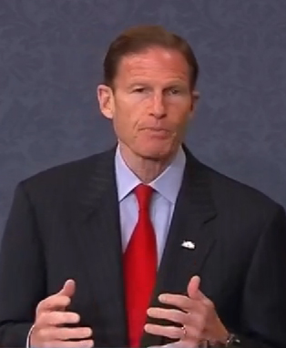 Blumenthal says he will fight federal GMO labeling restrictions