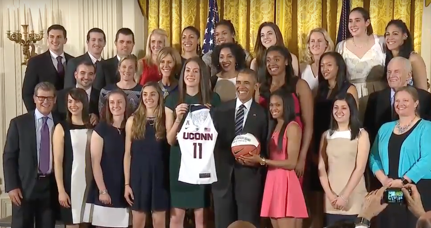 Obama says he'll miss Huskies, Auriemma