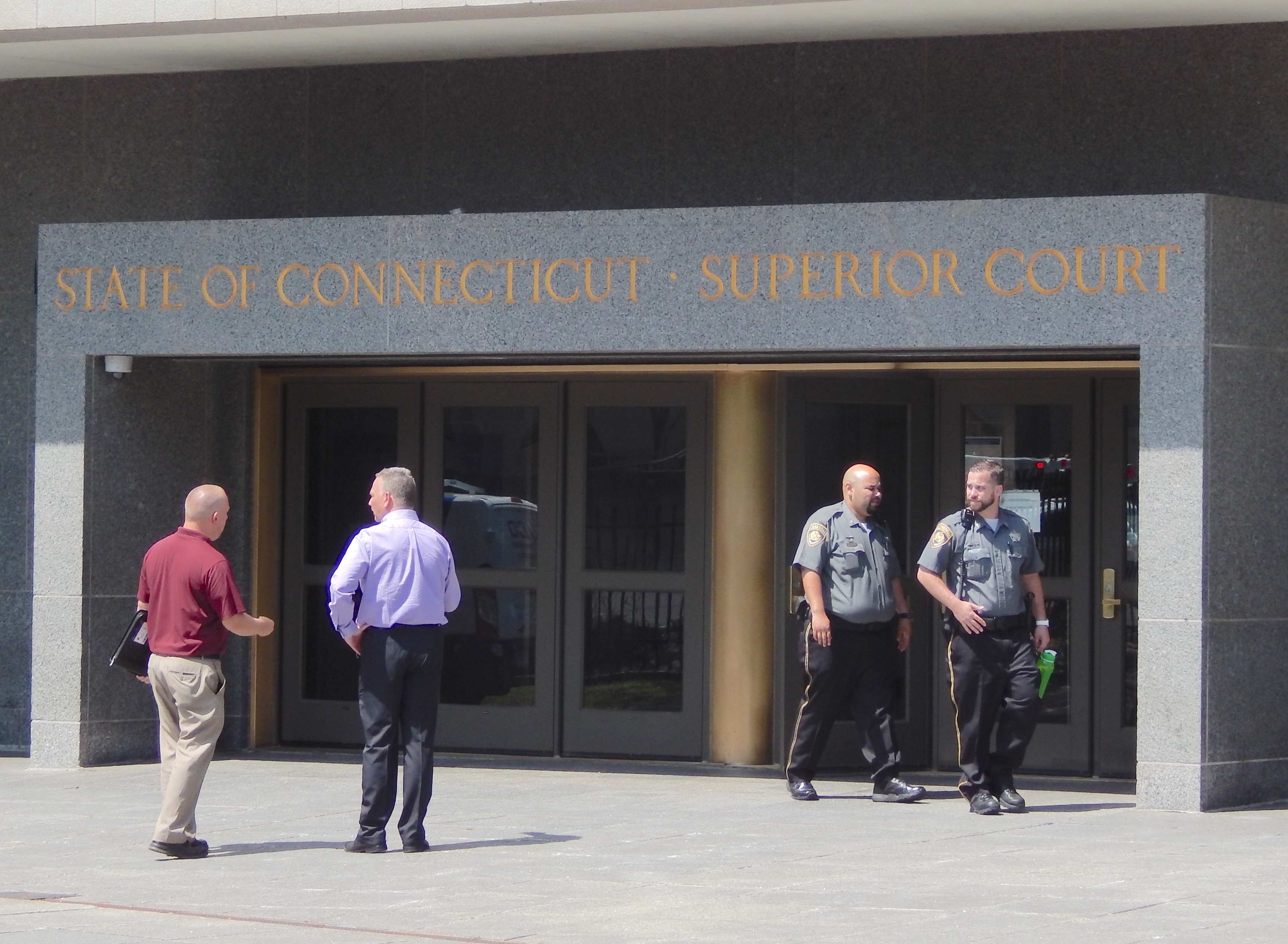 Marshals drop labor complaint over police guards at CT courts
