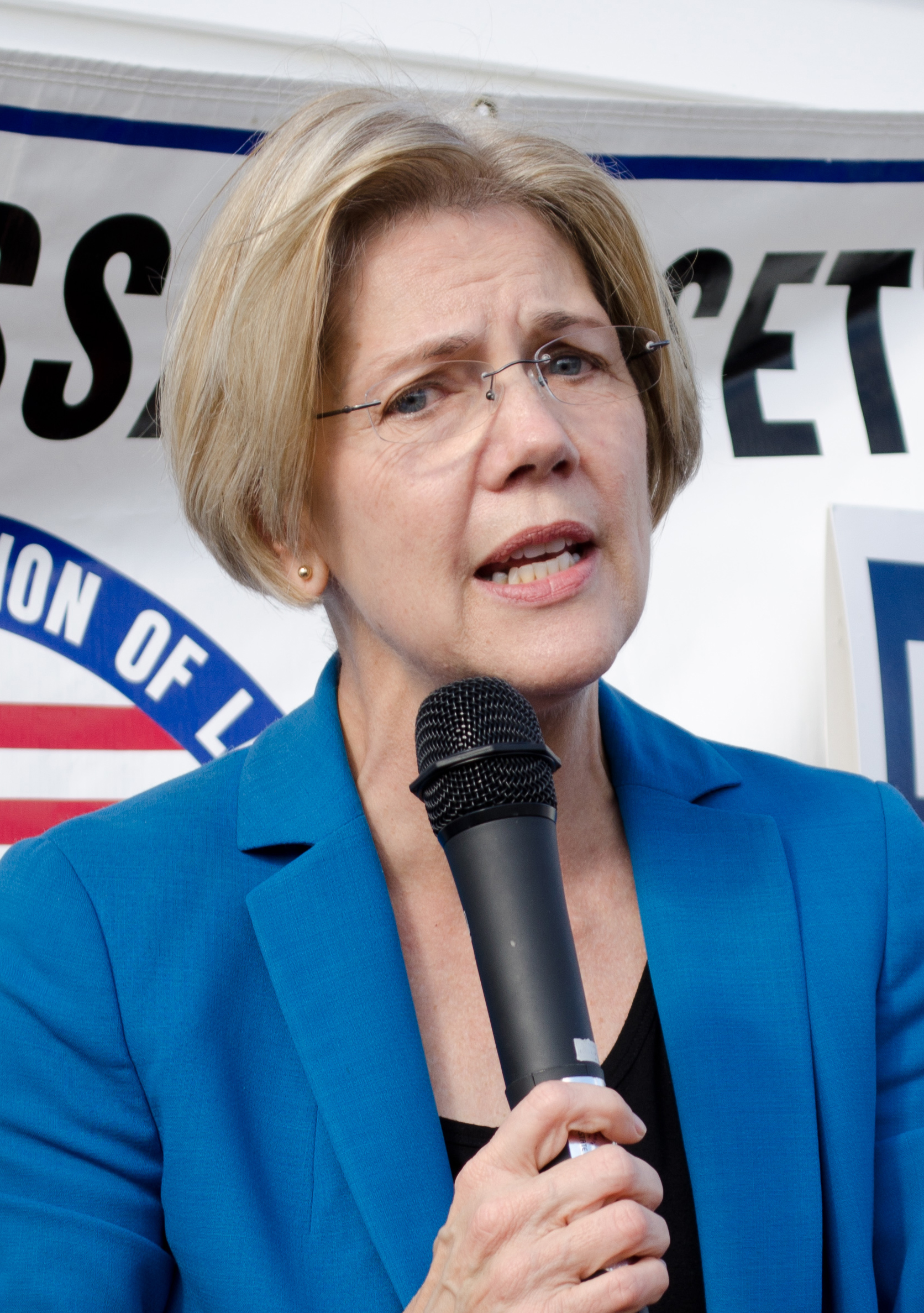 Q-Poll: Democratic support for Warren rises after last week's debates