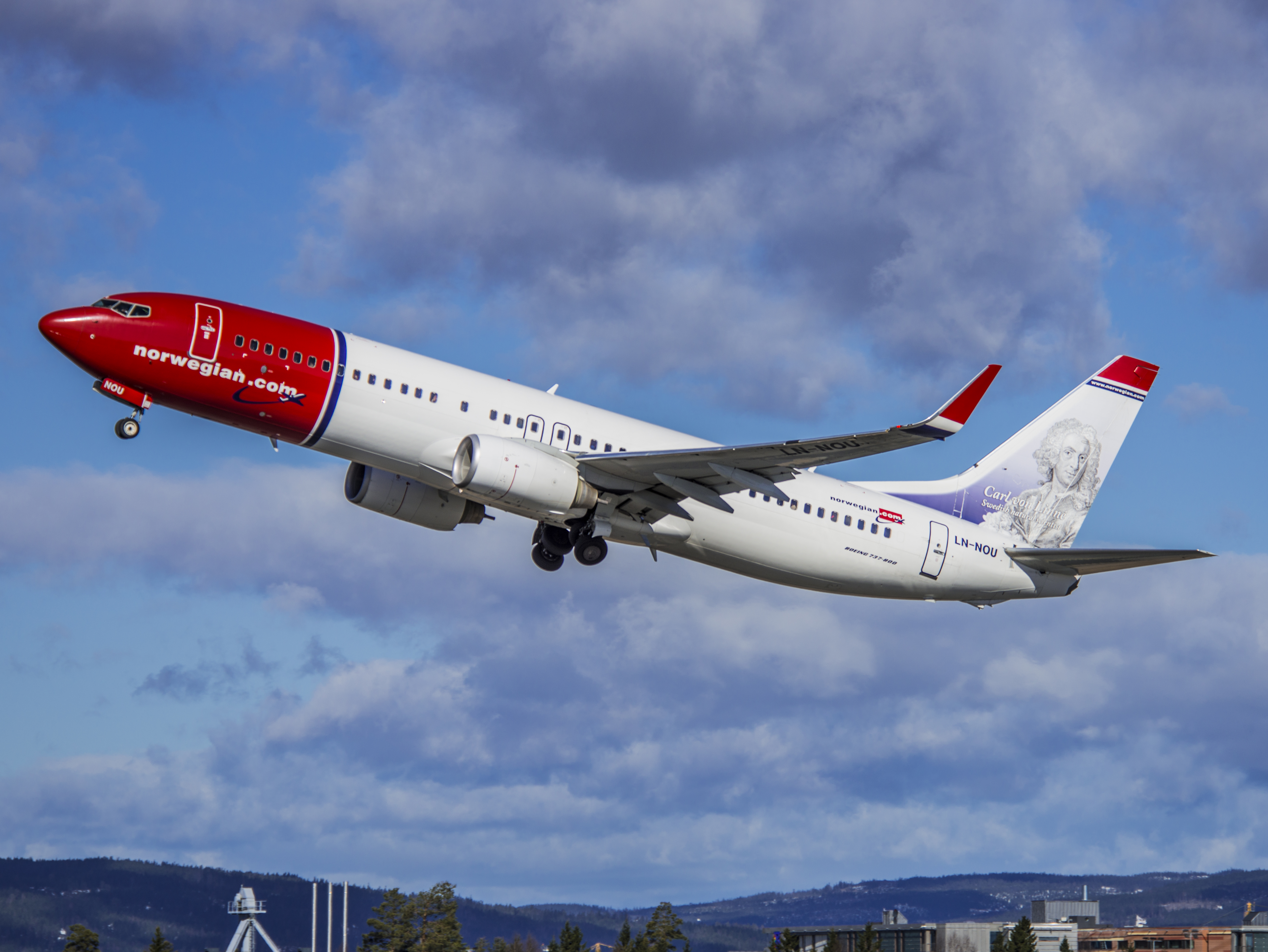 Norwegian discount airline to fly from Bradley to Edinburgh
