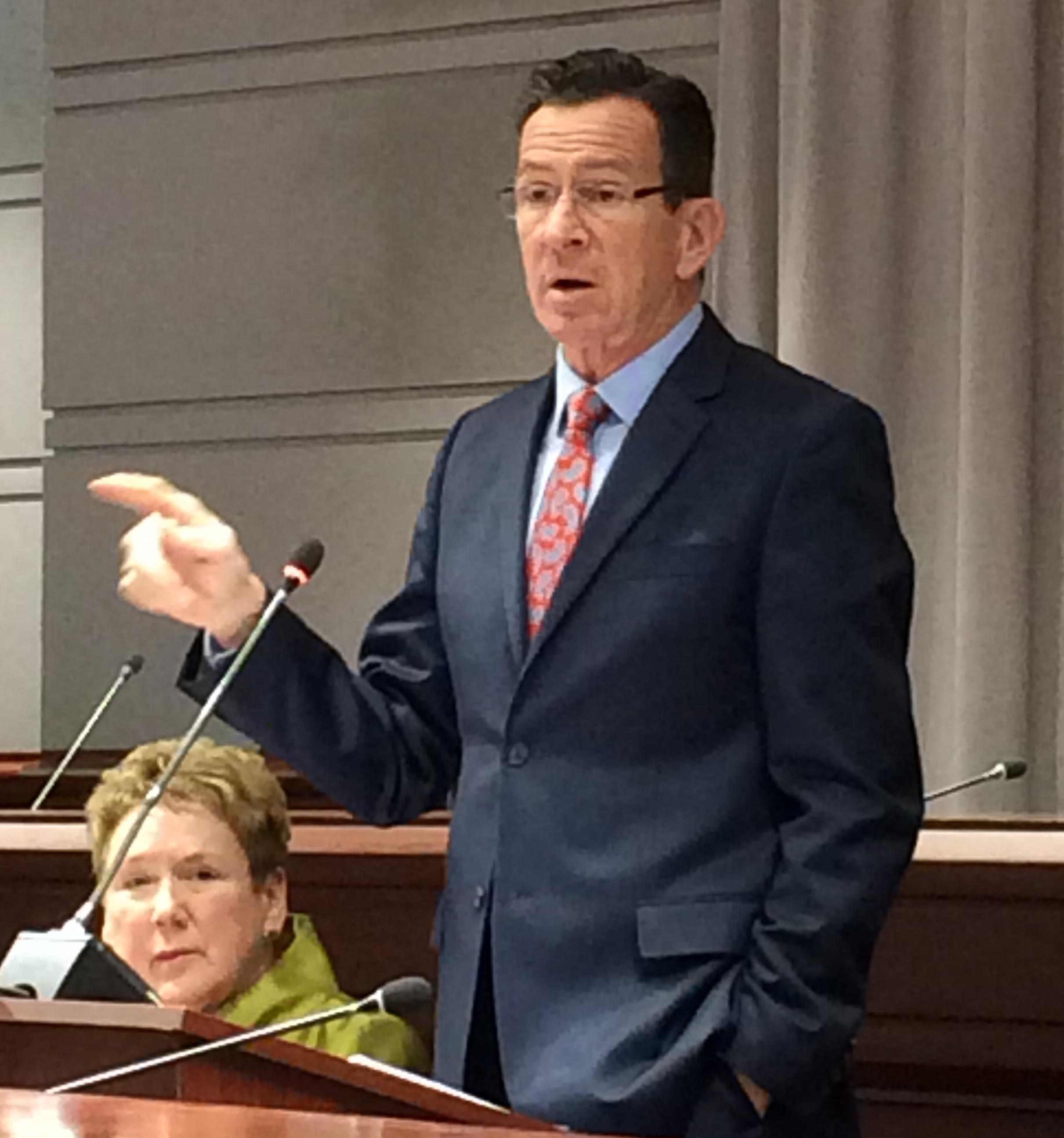 Malloy asks CT businesses to push for transportation 'lockbox'