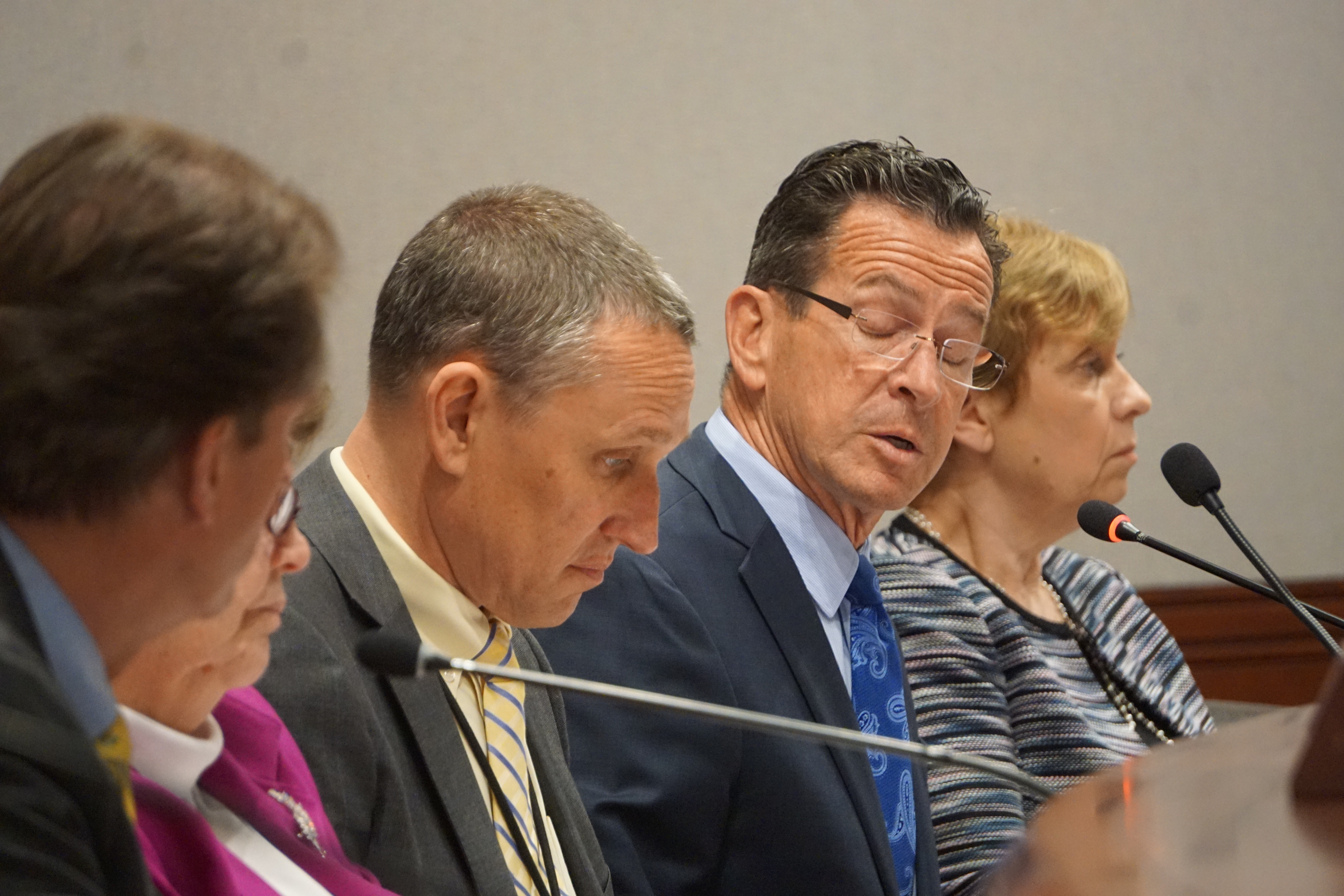 A frosty Friday for Malloy, GOP over $350M in borrowing