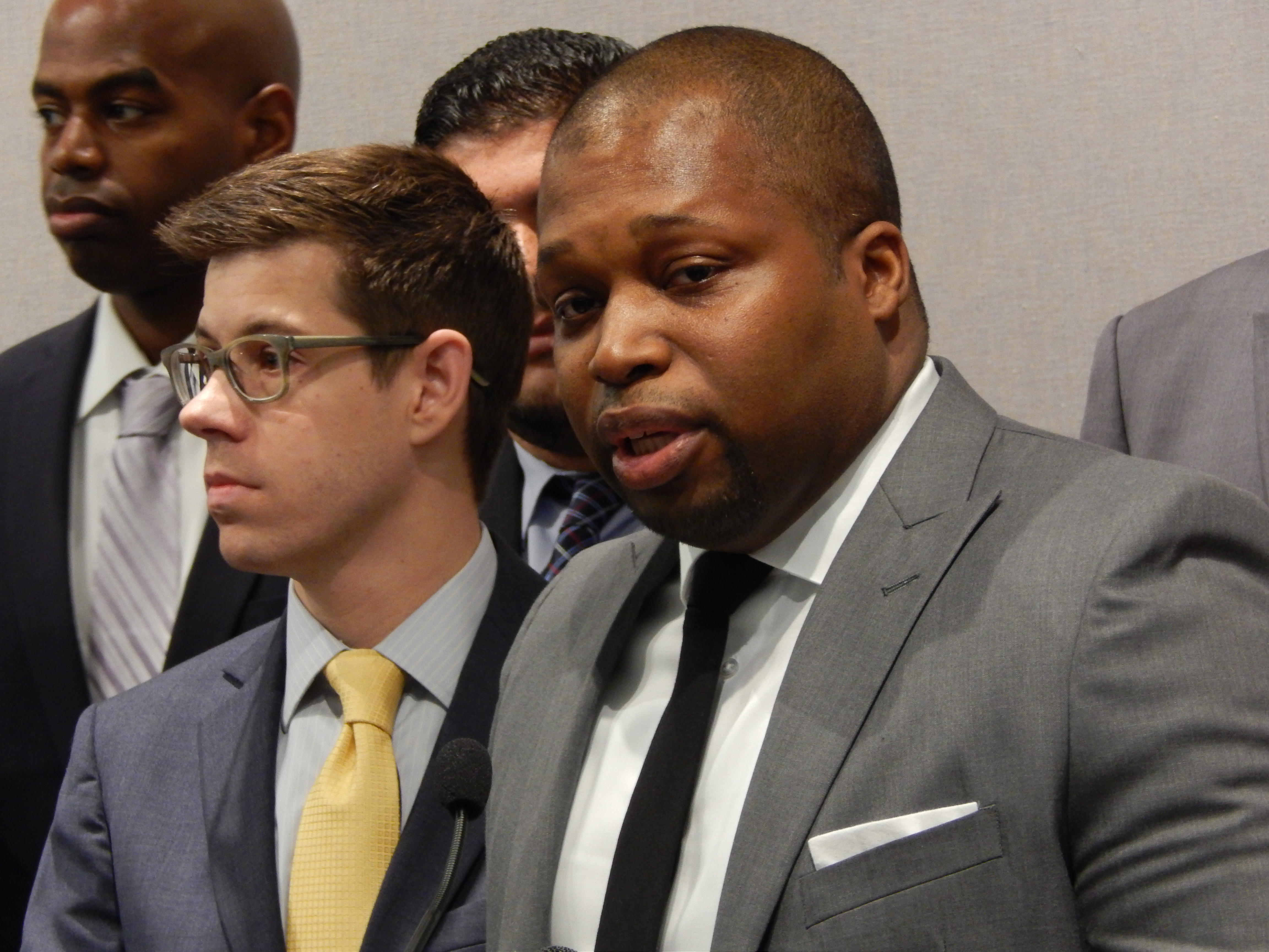 Lawmakers make late push for more police accountability