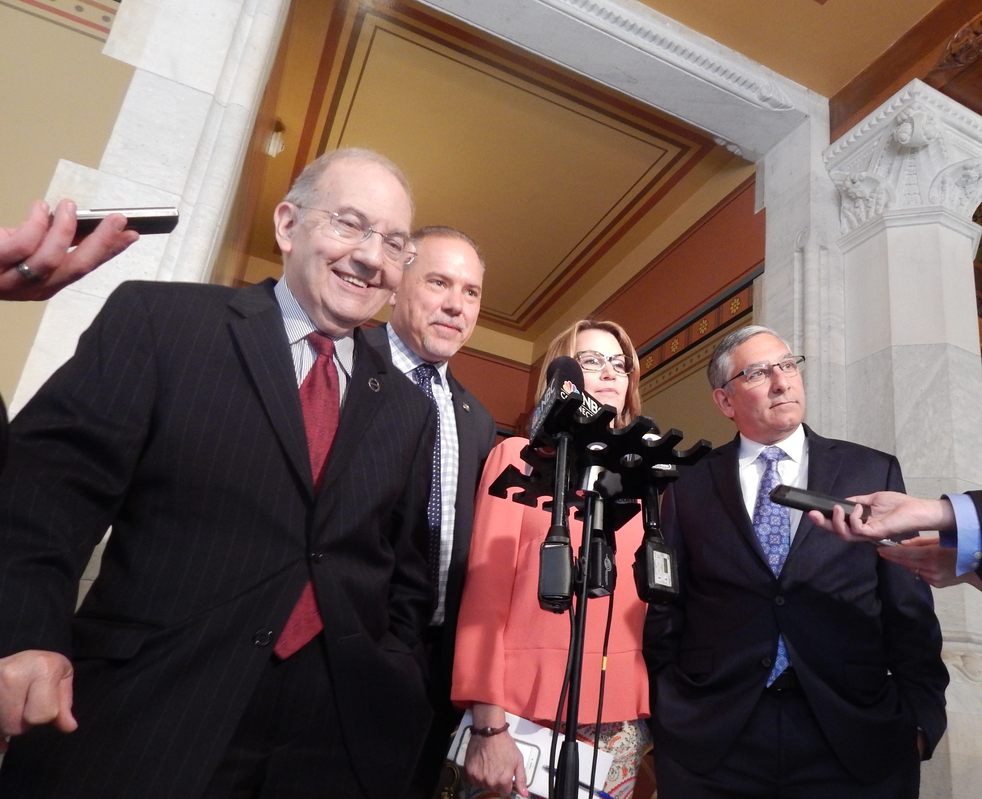 Time is running out for lawmakers to close CT budget deficit