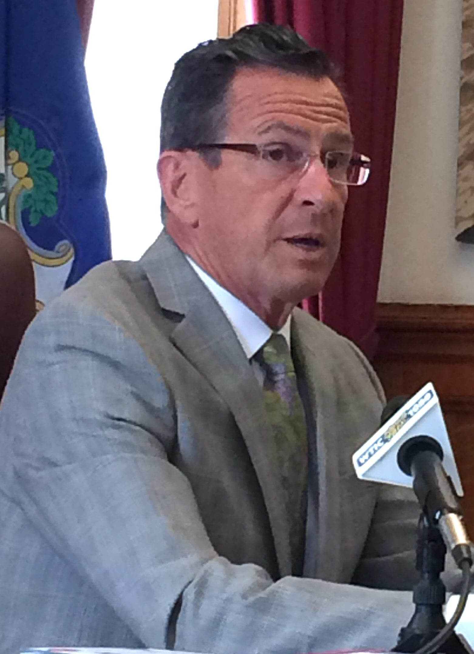 Malloy prepares CT for life without a new state budget