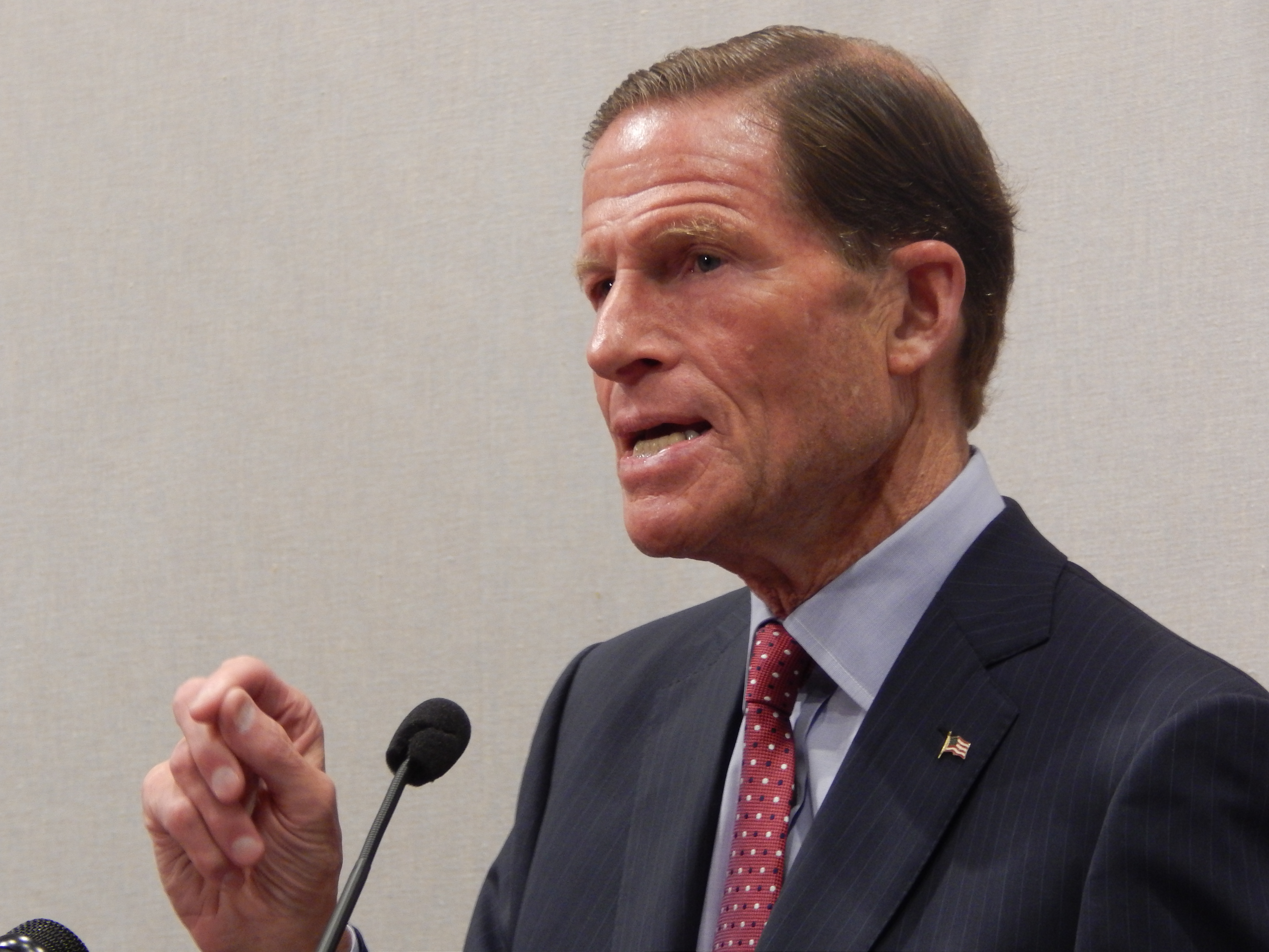 Blumenthal: Mueller has 'breached the White House gates' with Flynn