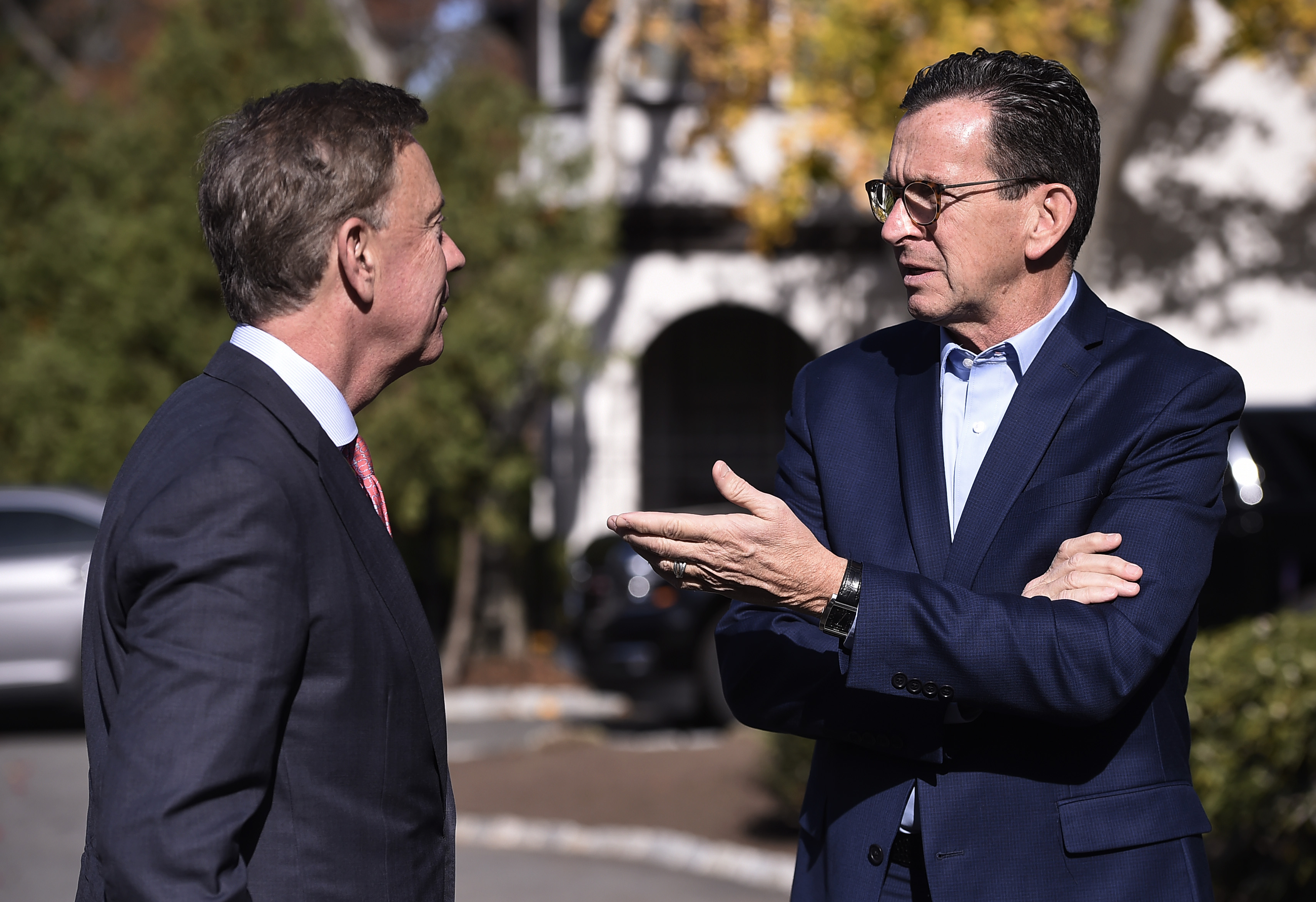 Malloy offers Lamont a blueprint to balance next CT budget