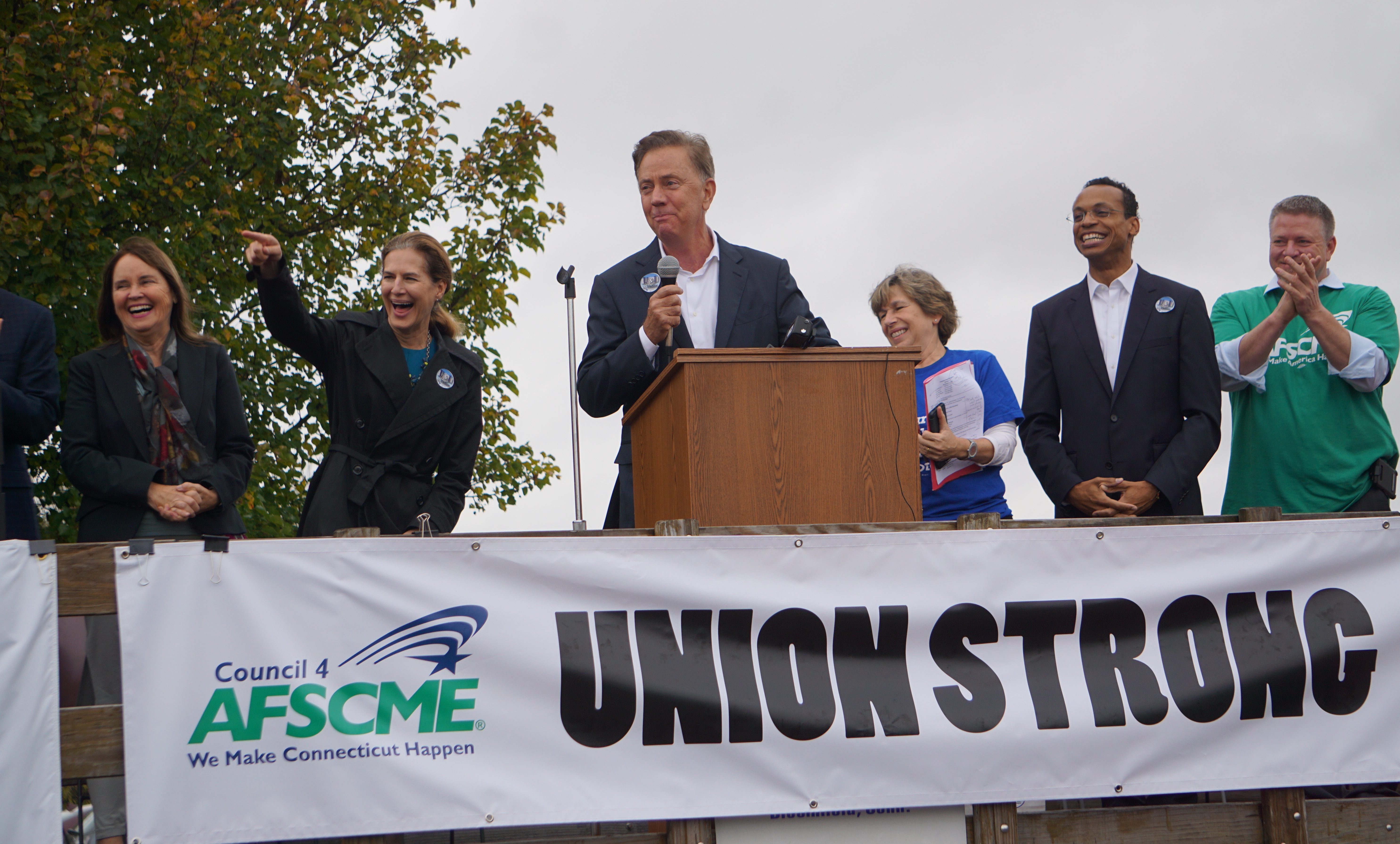 Lamont hopes the friendly approach will coax unions to the table