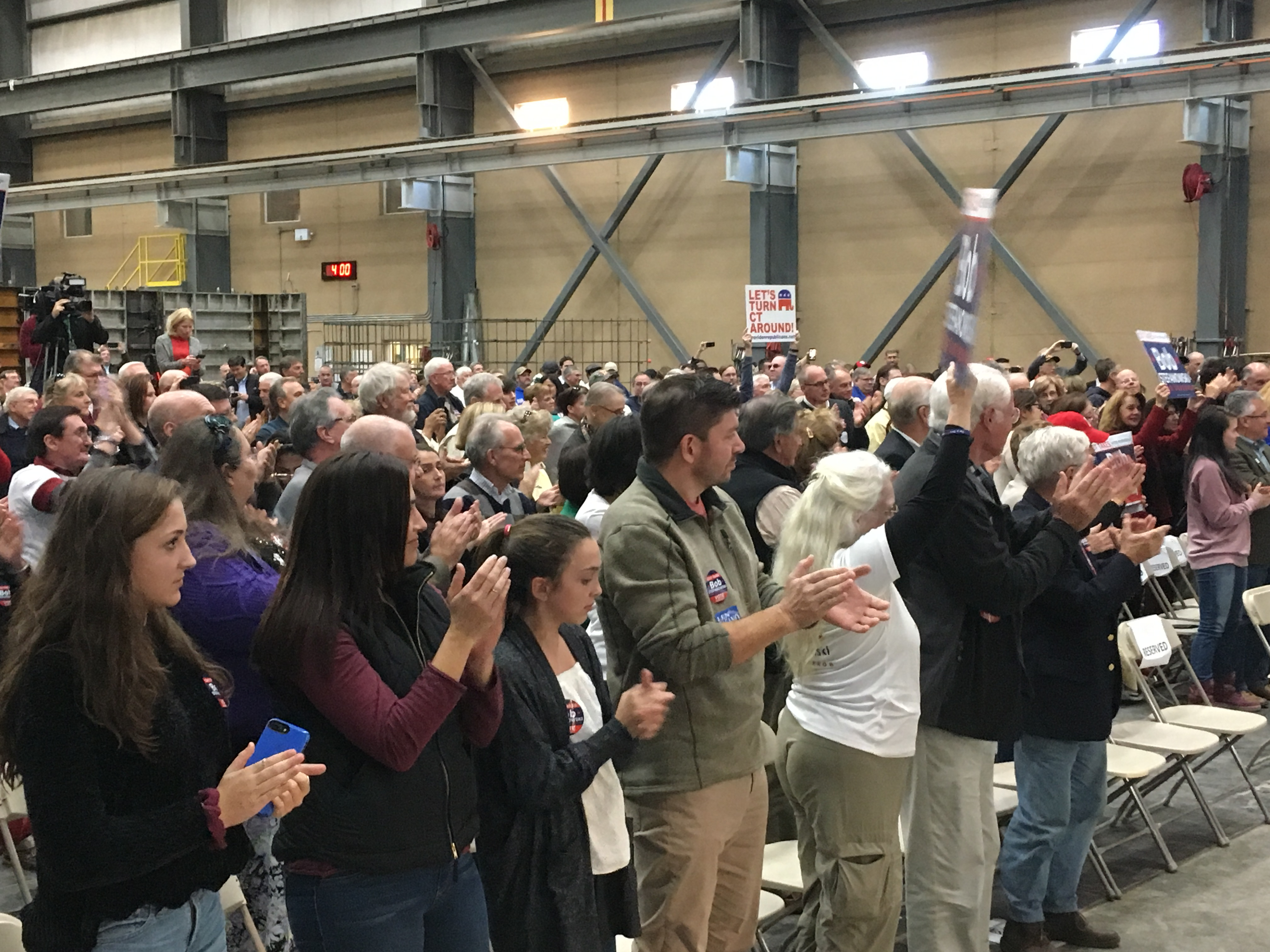 Candidates make last sprint around Connecticut before polls open