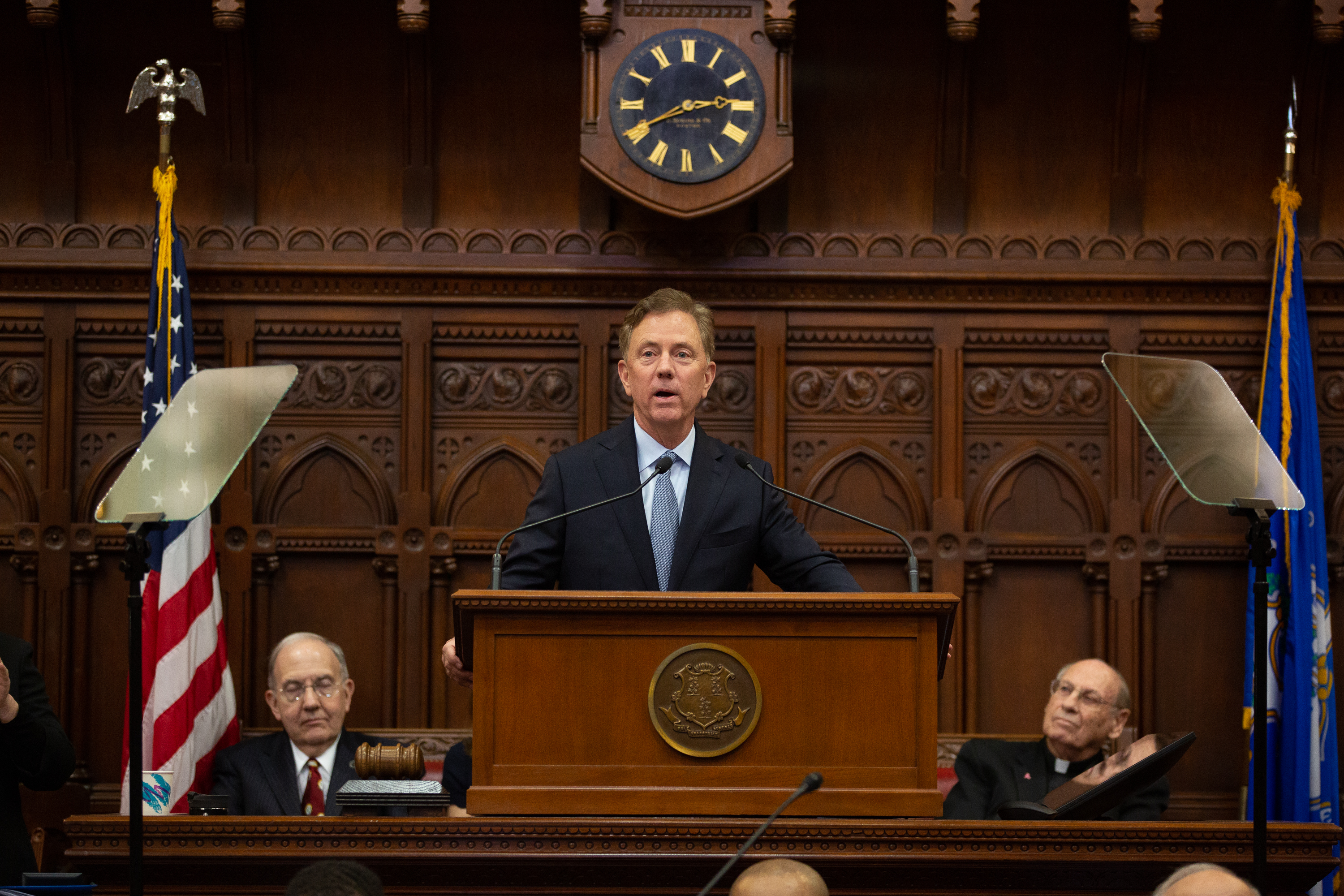 Lamont plants clues to his first budget in opening address