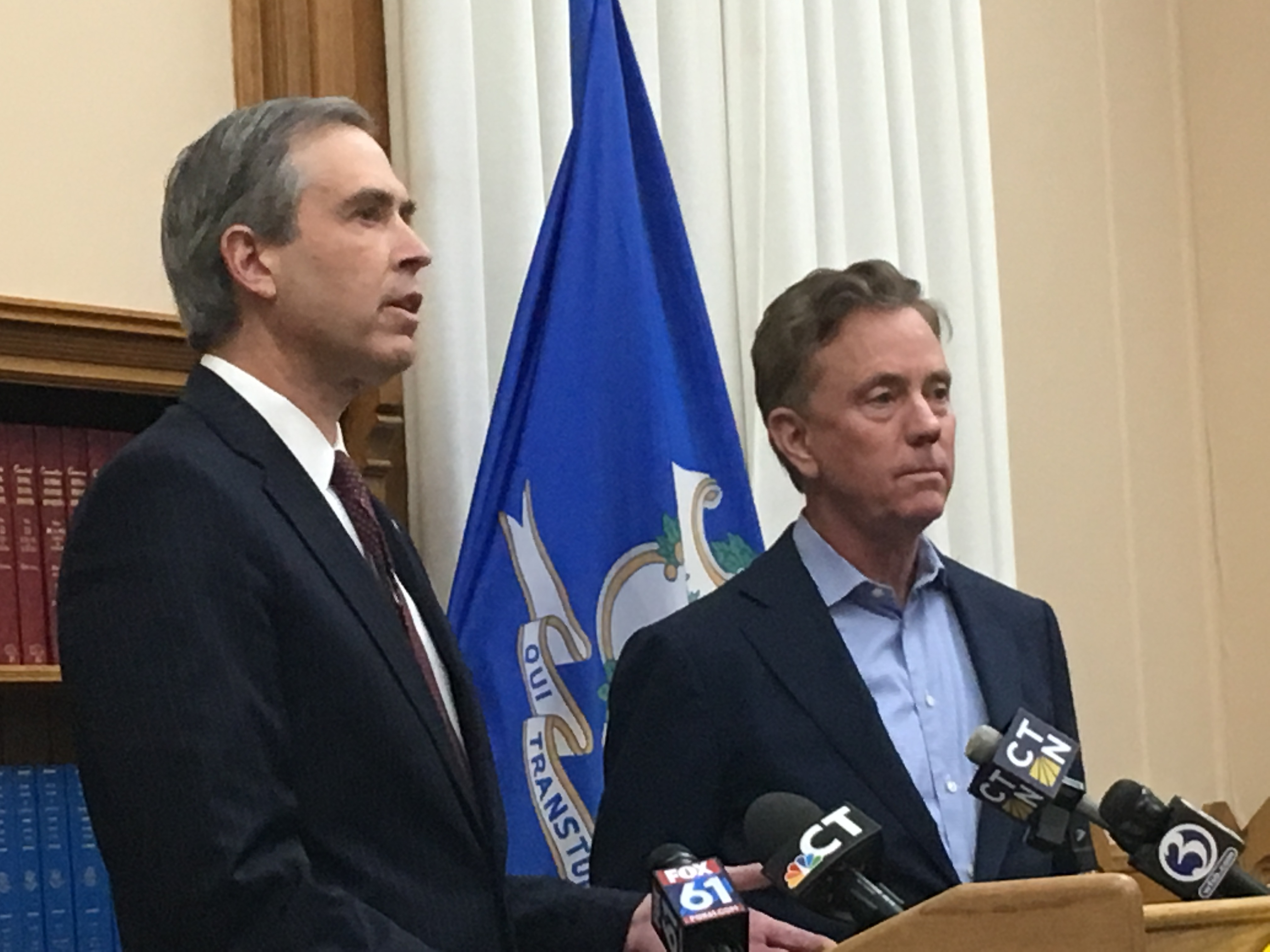 Lamont, Webster Bank, announce loans for federal workers