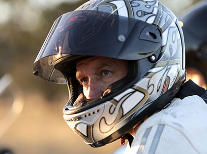 Bill would make motorcyclists wear helmets until 21