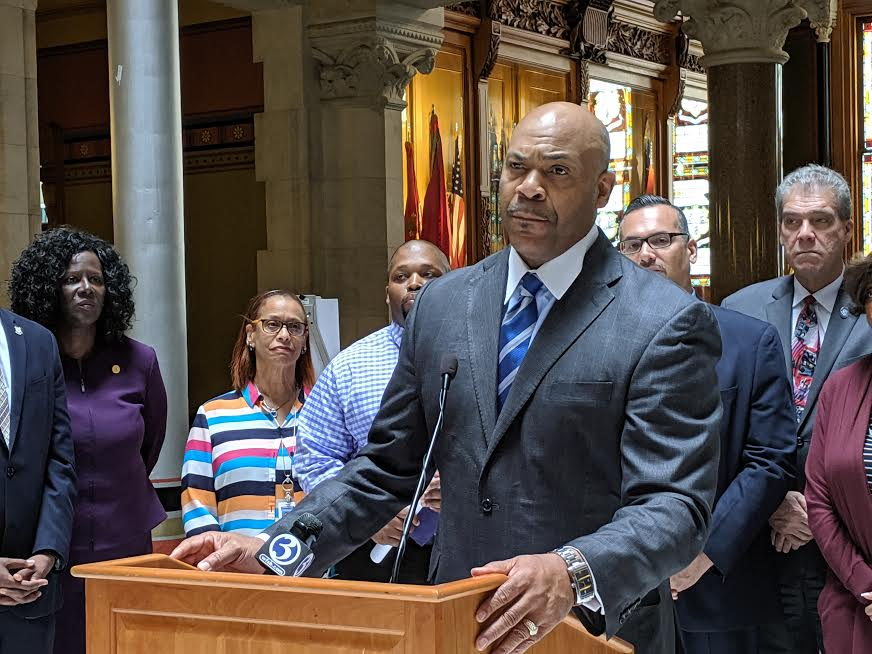 Senate endorses plan requiring Connecticut schools to teach African American, Latino history