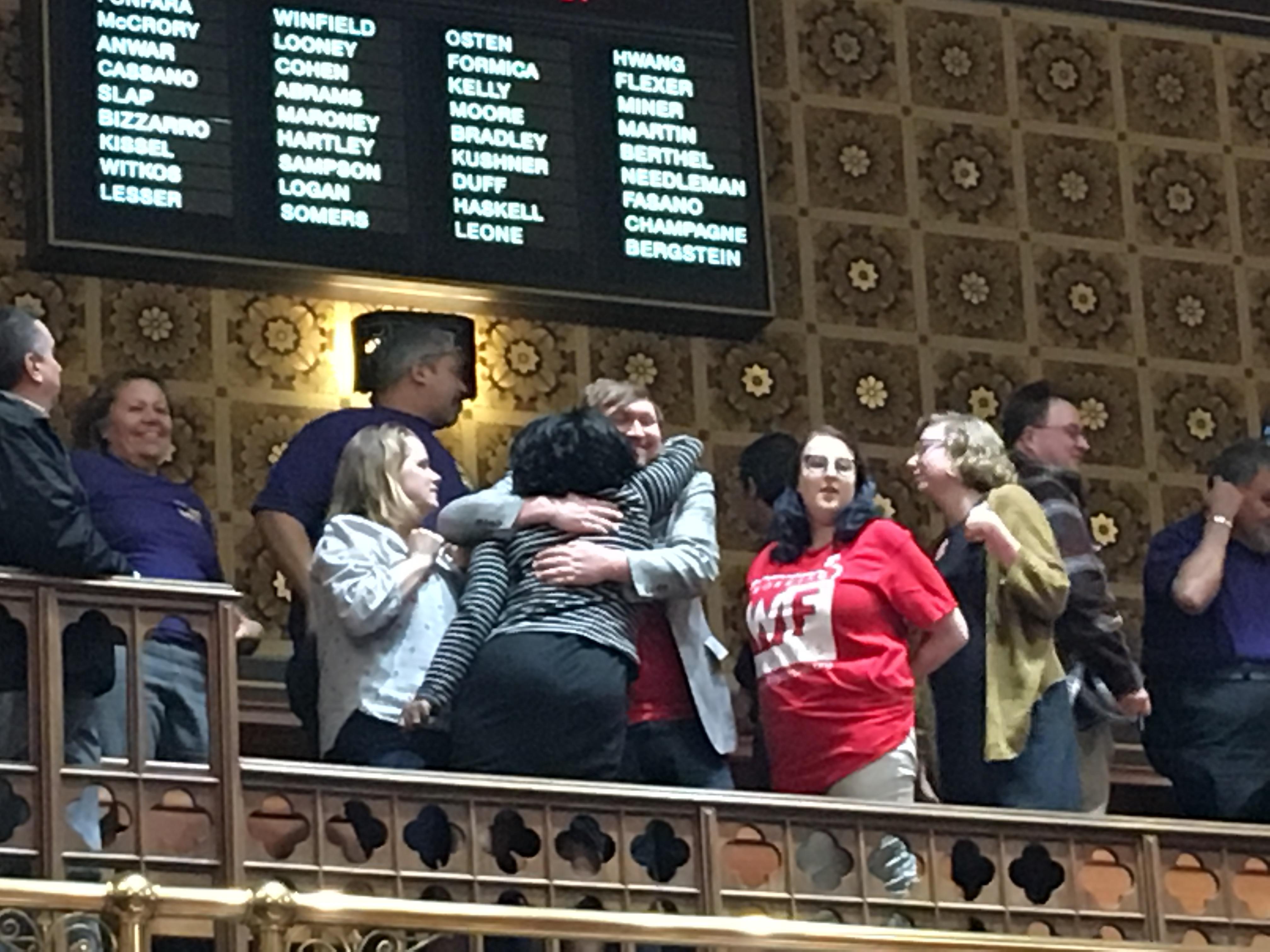 Senate sends $15 minimum wage bill to Lamont