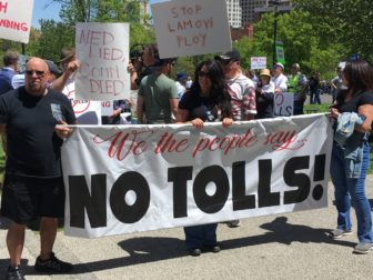 Protesters rally to sink tolls as legislative session ...