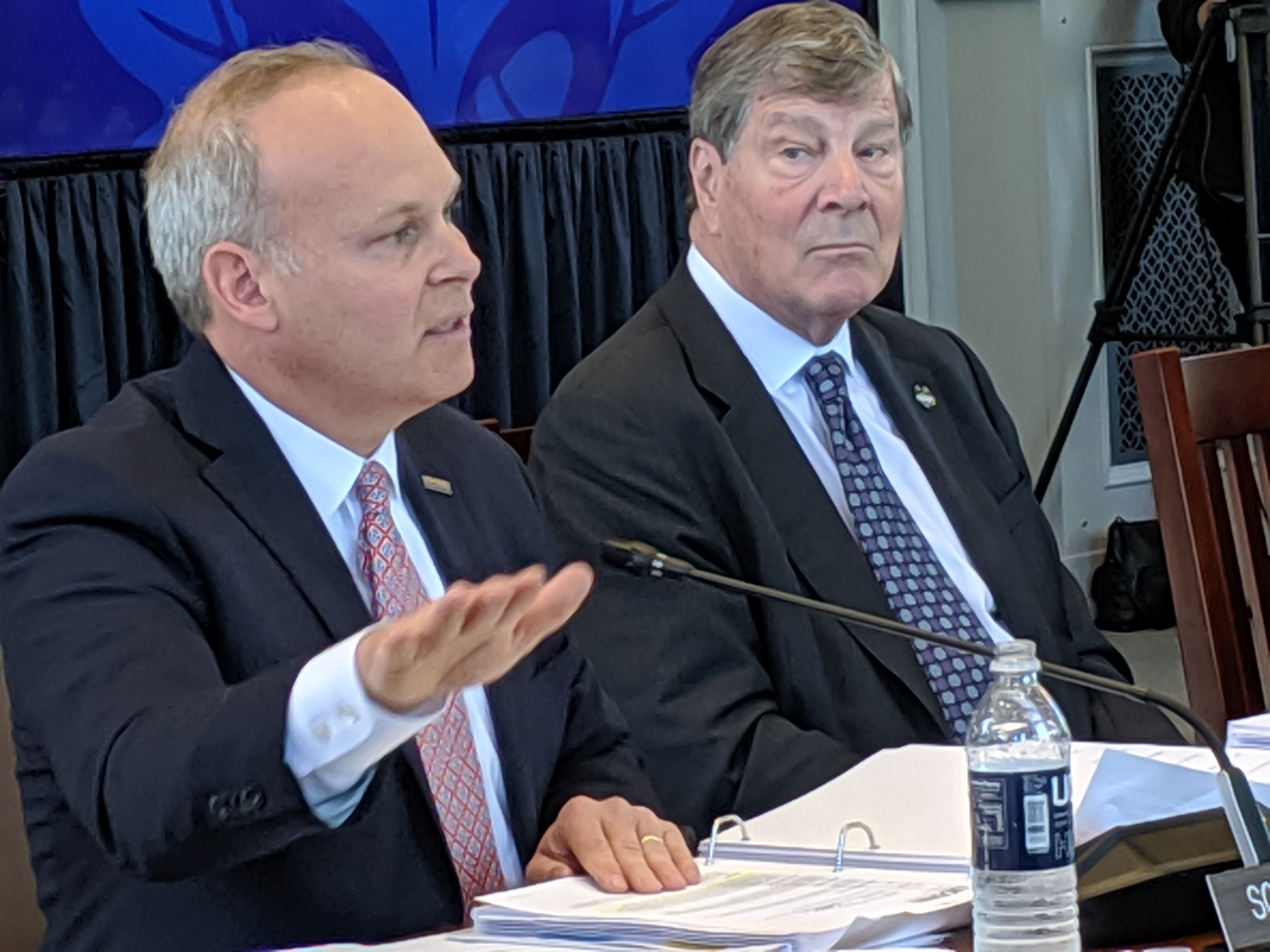UConn trustees endorse budget, plan to close deficits