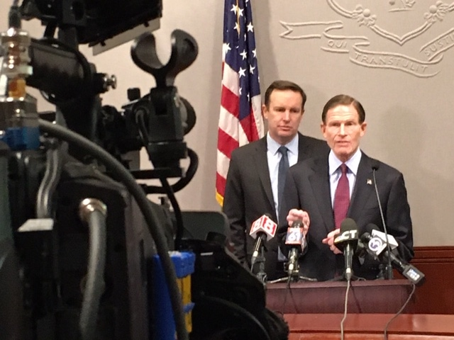 Blumenthal, Murphy walk a fine line on Iraq attack