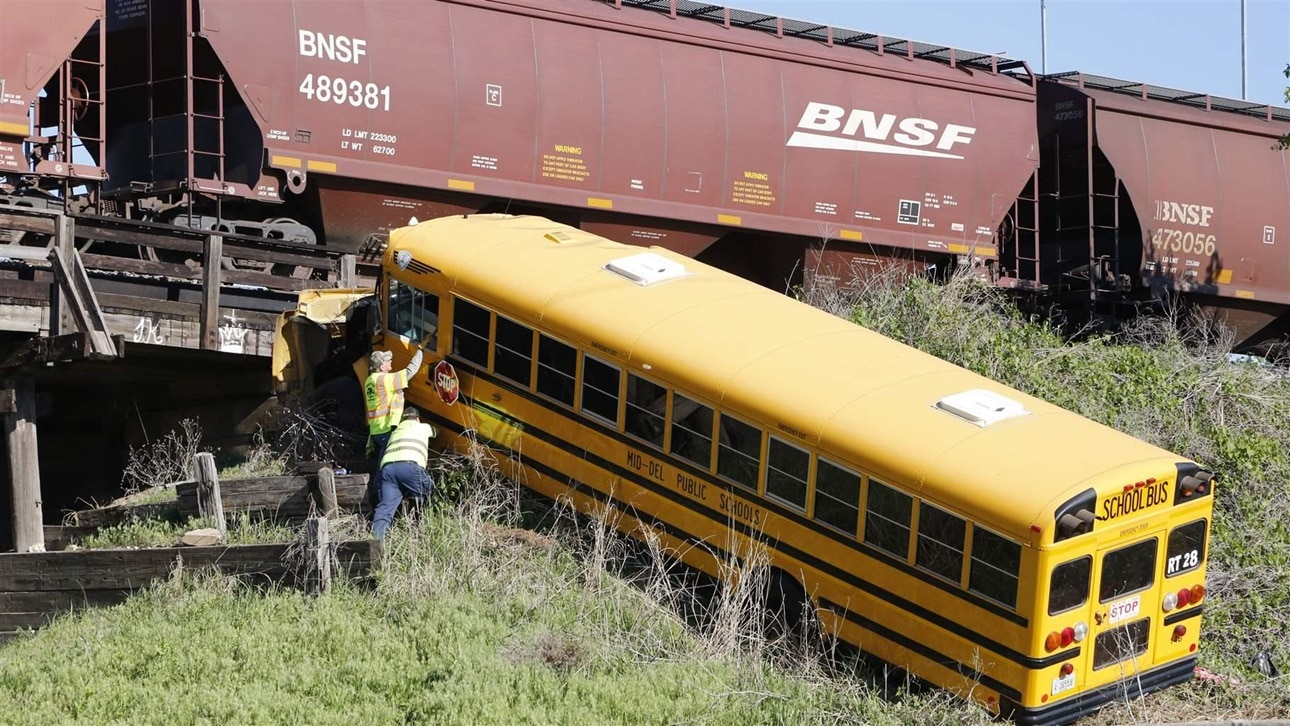 Drunken school bus drivers put kids' lives at risk