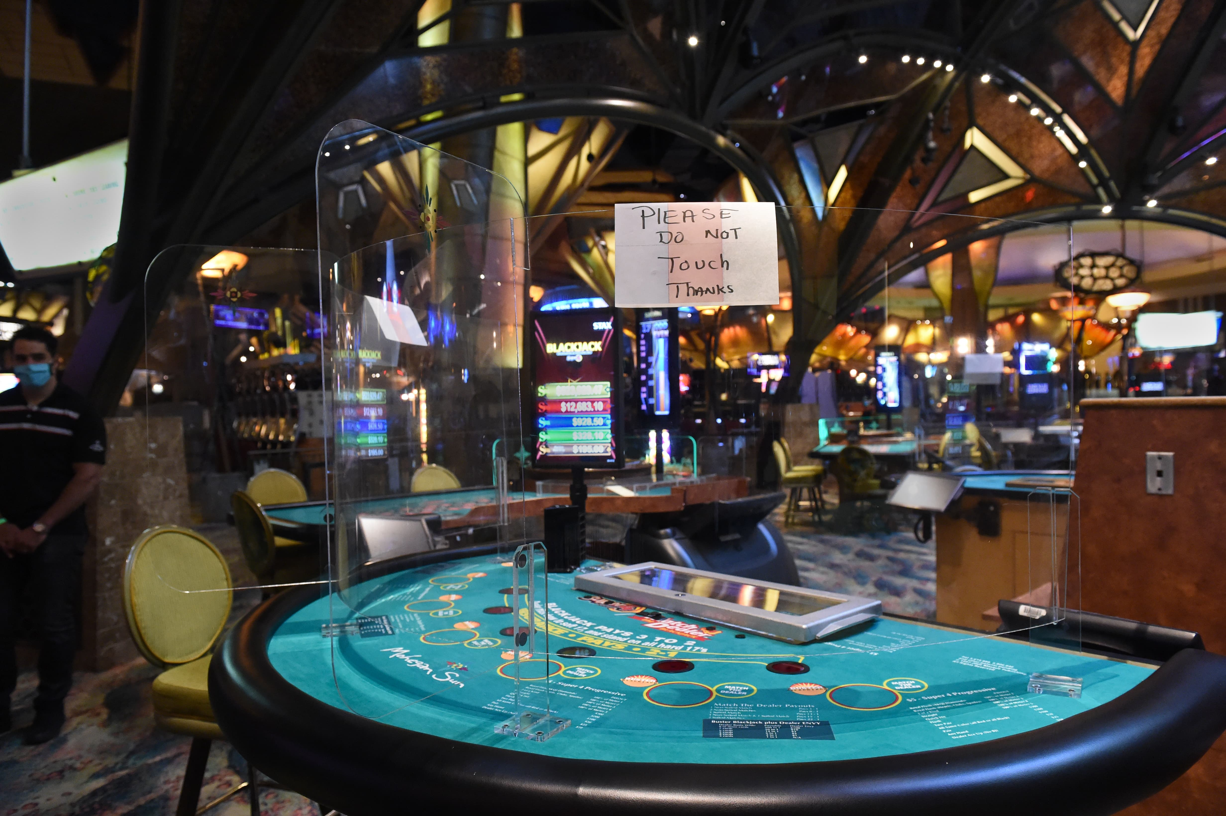 Live and on TV, gambling negotiations go public
