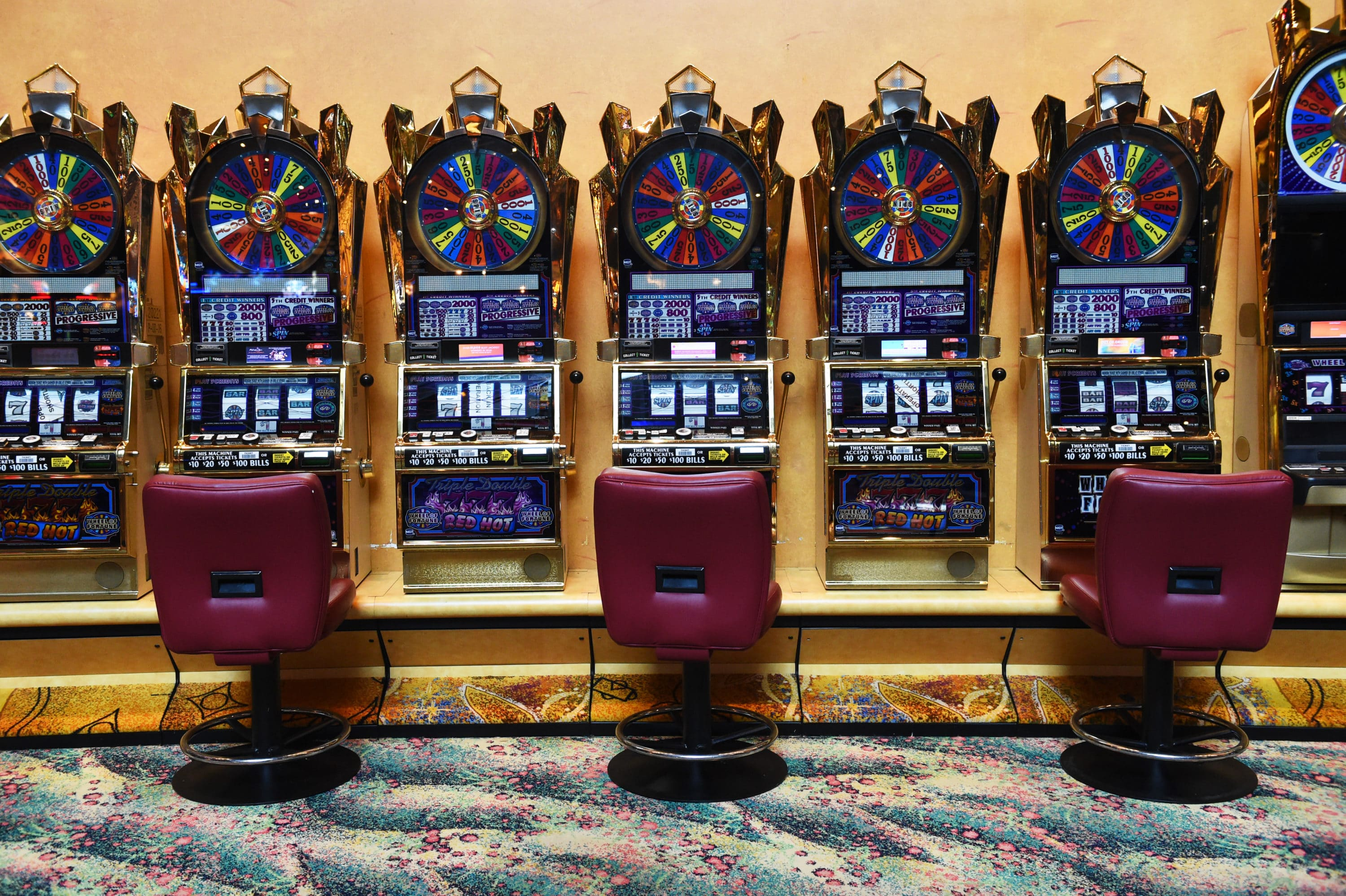 'Gambling with COVID': Connecticut casinos show glimpse of new normal upon re-opening