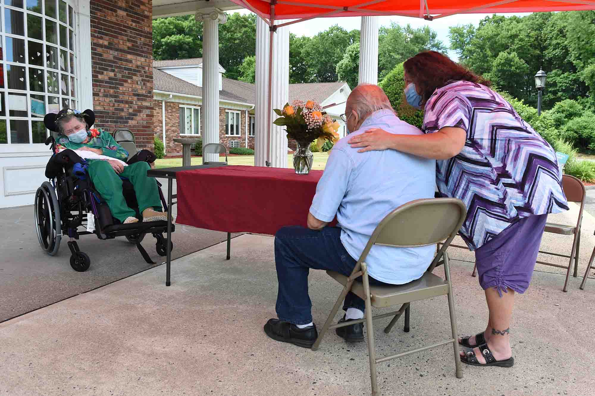 With COVID-19 cases rising in CT, some nursing homes are now requiring visitor testing