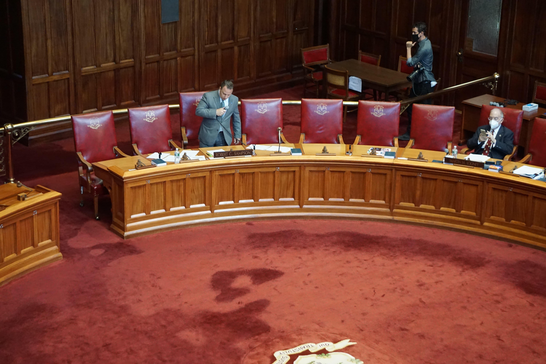 Socially distanced Senate passes no-excuse absentee ballot bill