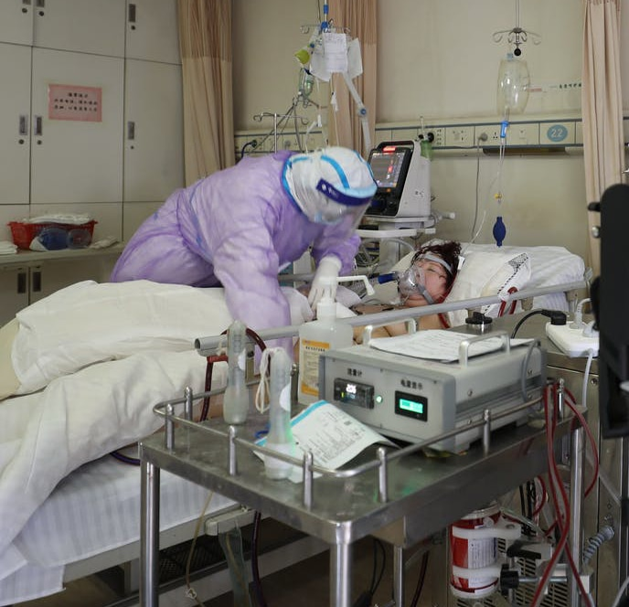 How Many People In The U S Are Hospitalized With Covid 19 Who Knows