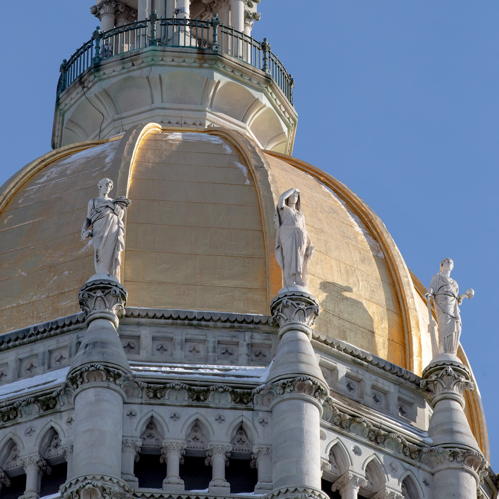 CT legislature poised to make early budget pledge to help cities and towns