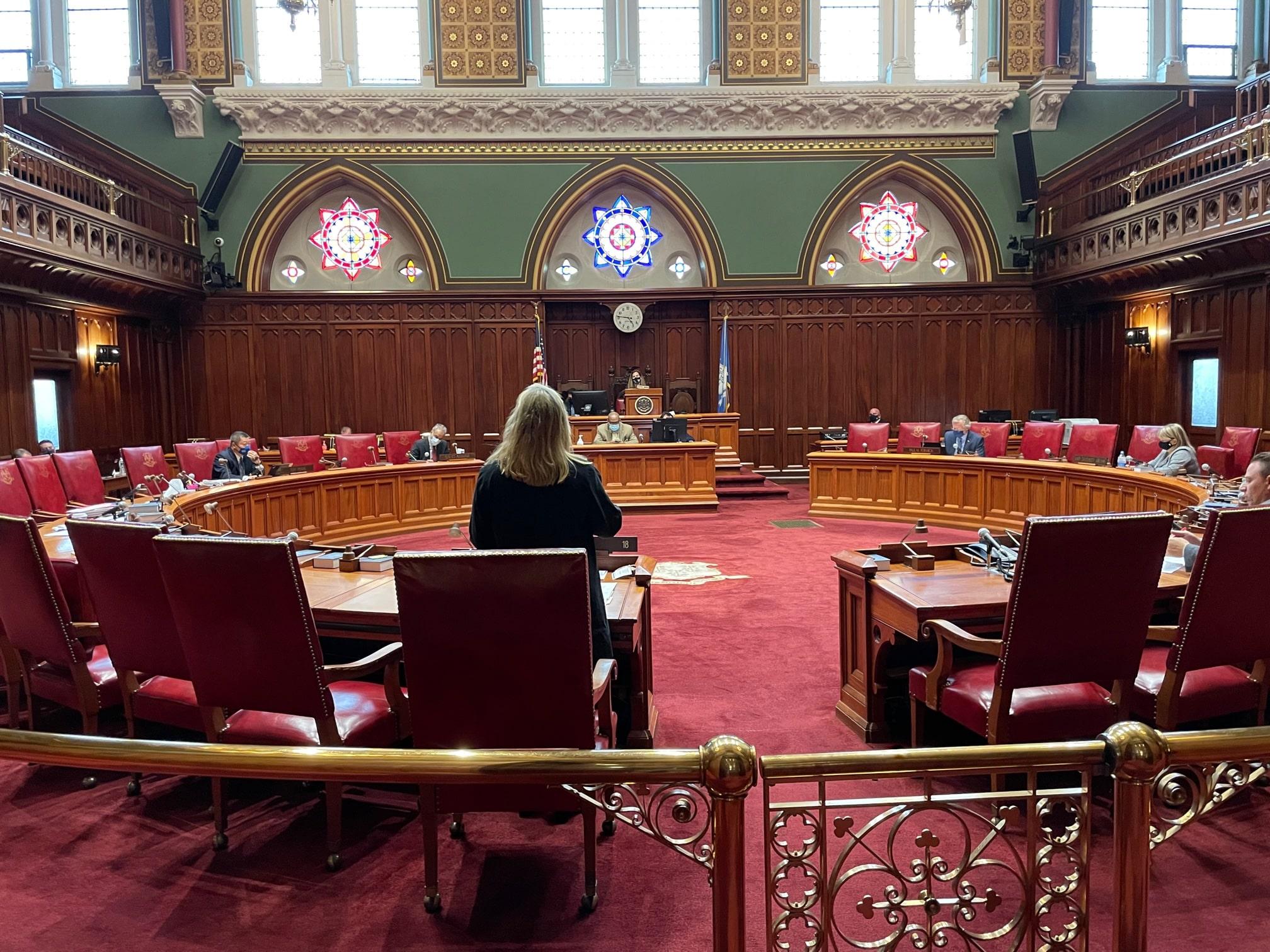 Senate advances bill banning deceptive advertising by faith-based pregnancy centers
