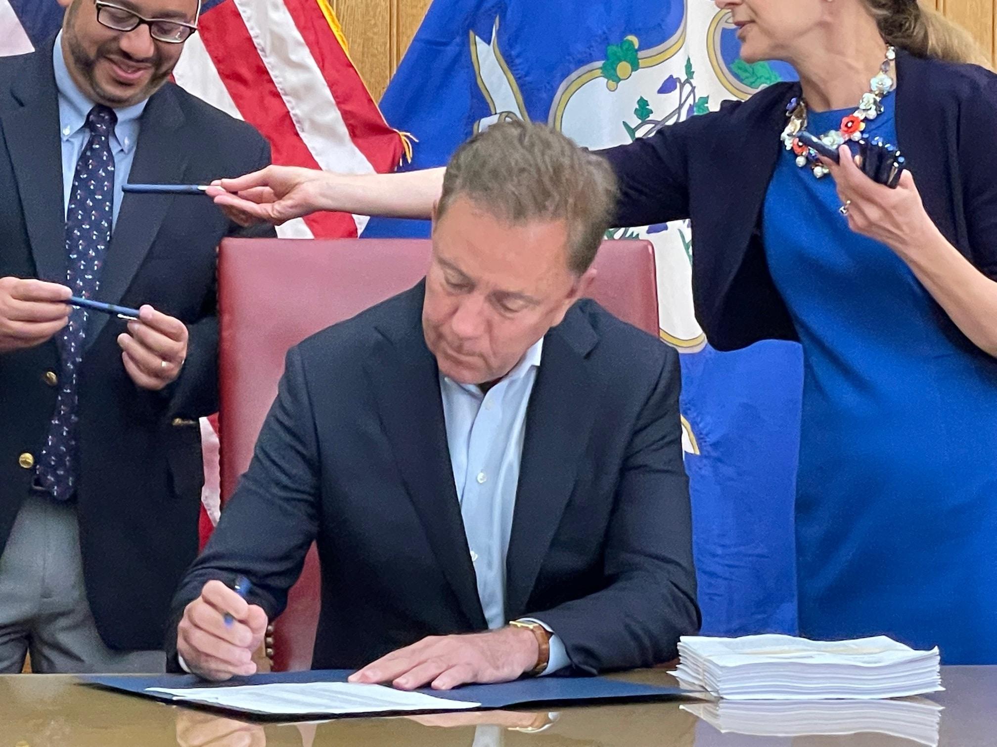 Lamont signs Connecticut's marijuana legalization law