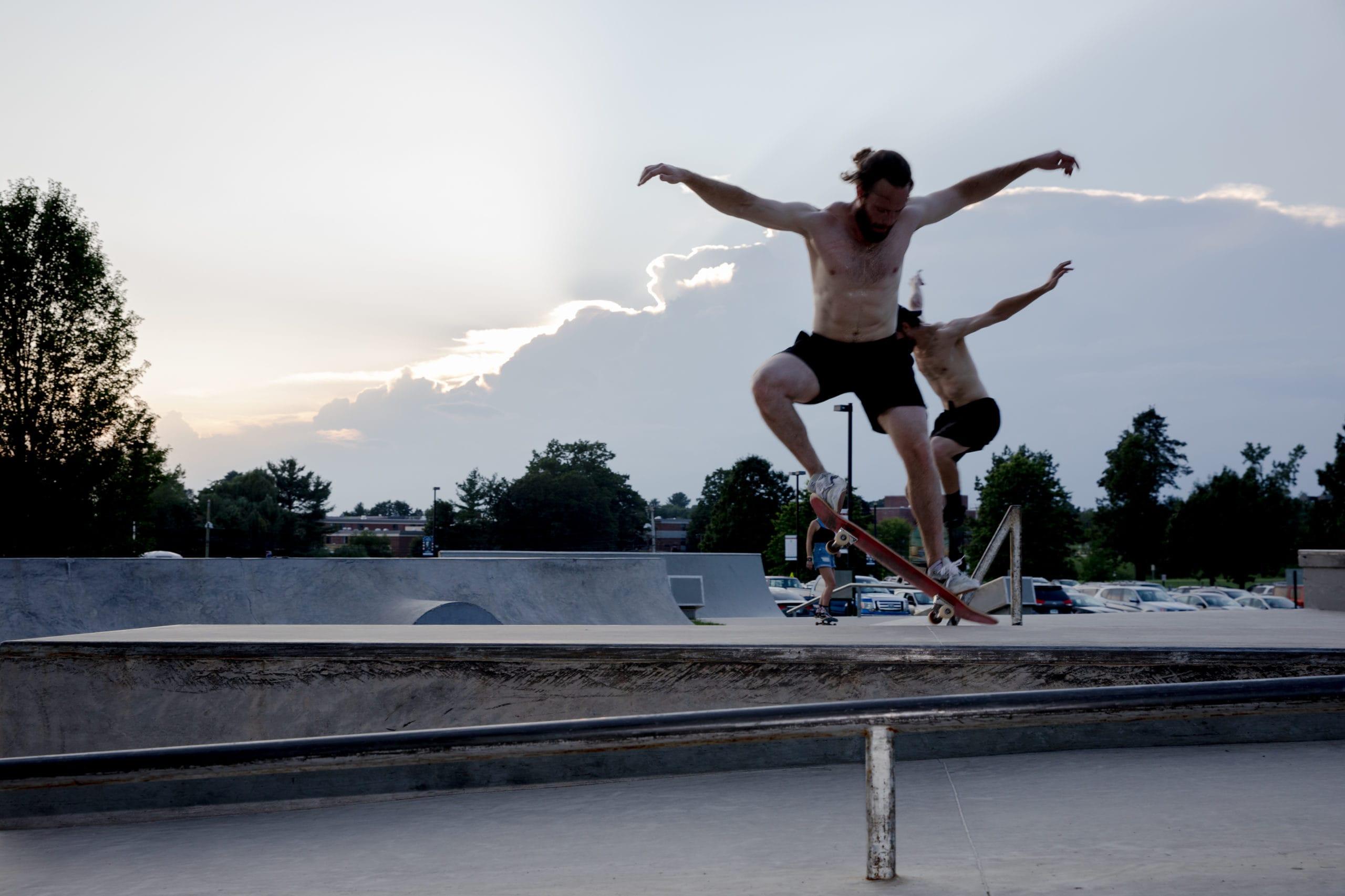 Photos: Skateboarding in the summer heat