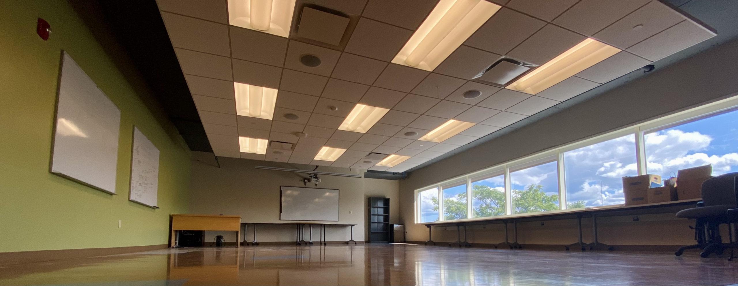 Empty CT Mirror Newsroom